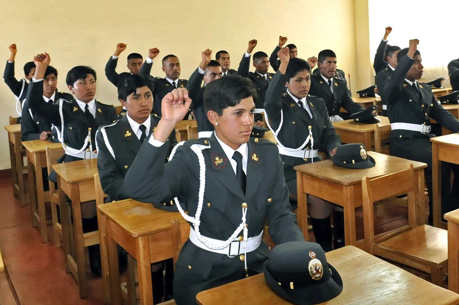 Escuelas Técnico Superiores de la PNP cuentan con 3 mil 776 nuevos alumnos.