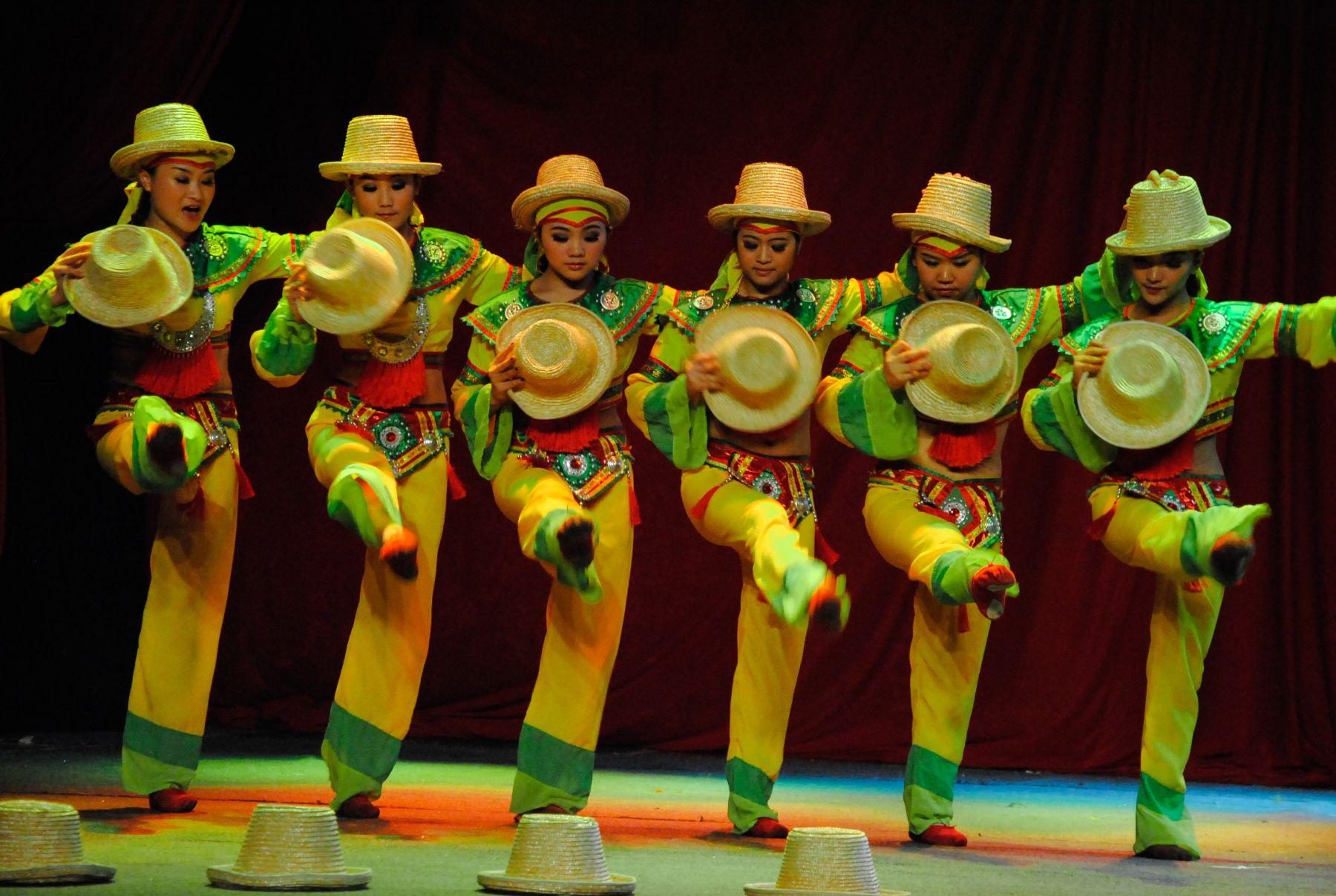 "Circo Nacional de China ""Chengdu"""