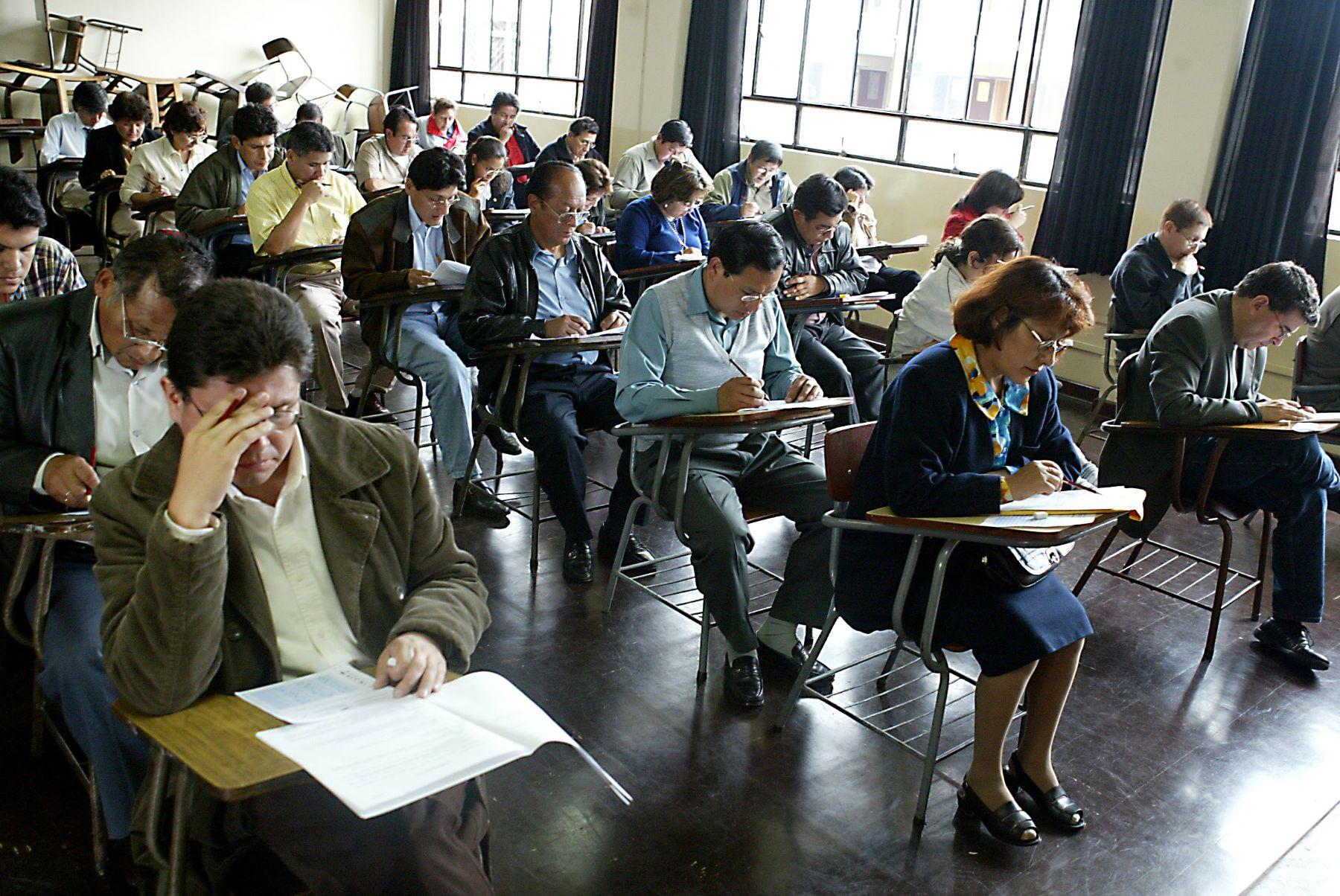 Postulantes a jueces y fiscales rinden examen en la UNI. Foto: ANDINA/archivo.