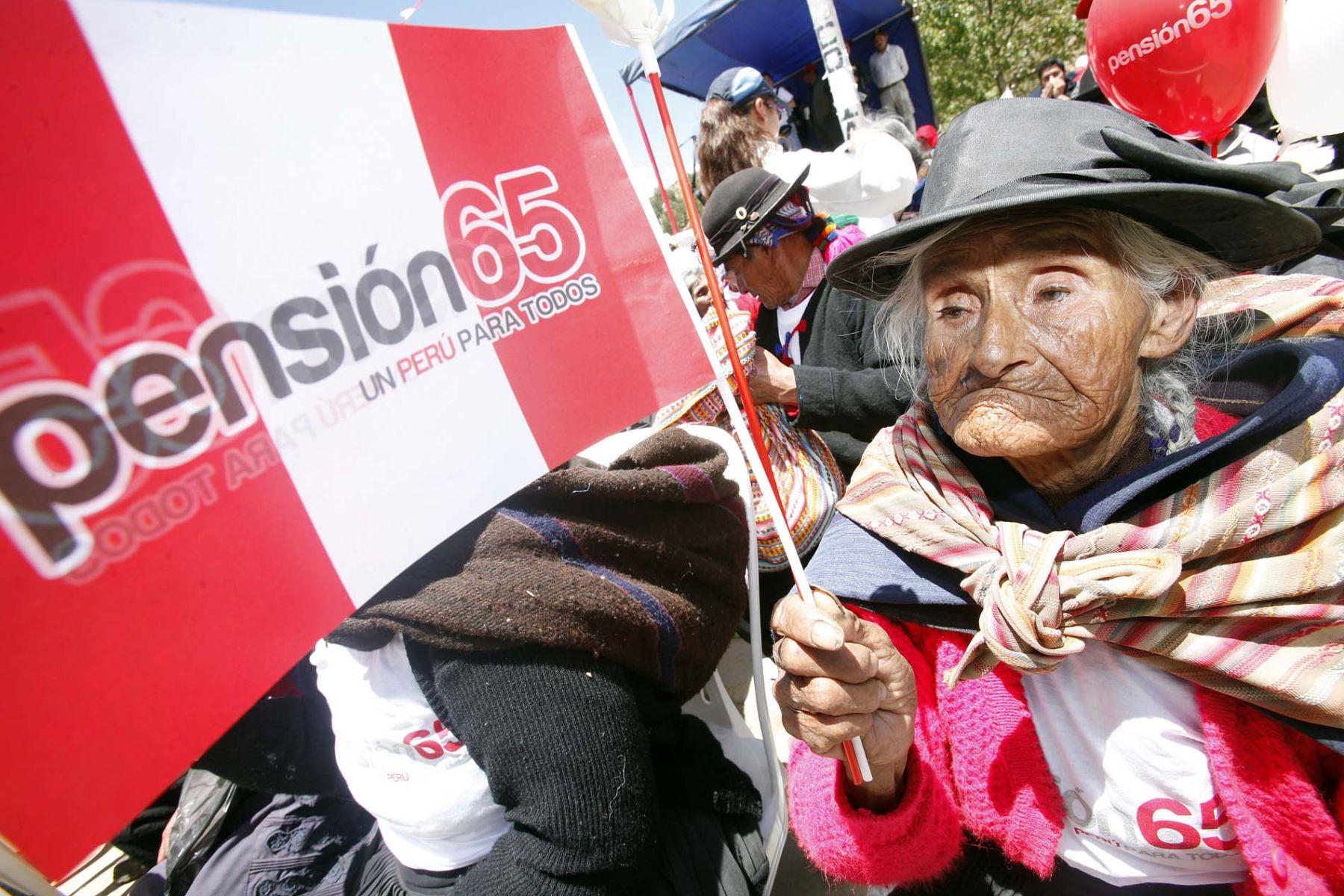 Aclaran que trámites de afiliación e incorporación a Pensión 65 son gratuitos. Foto: ANDINA/Luis Iparraguirre.