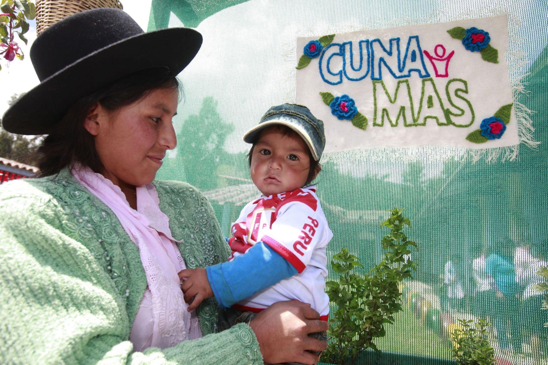 Con programa Cuna Más se impulsa el rol de las familias en cuidado de los hijos. Foto: Andina/Archivo.