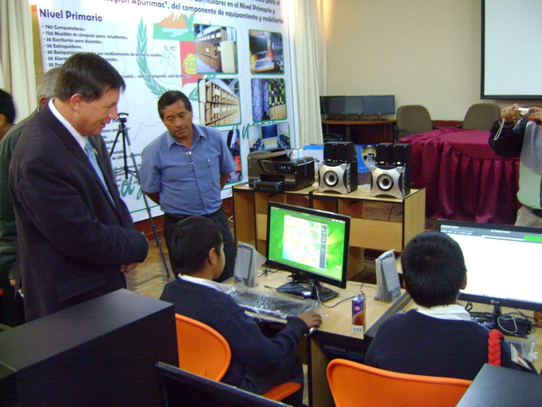 Apurímac contará con centros virtuales piloto para los escolares de las siete provincias apurimeñas.