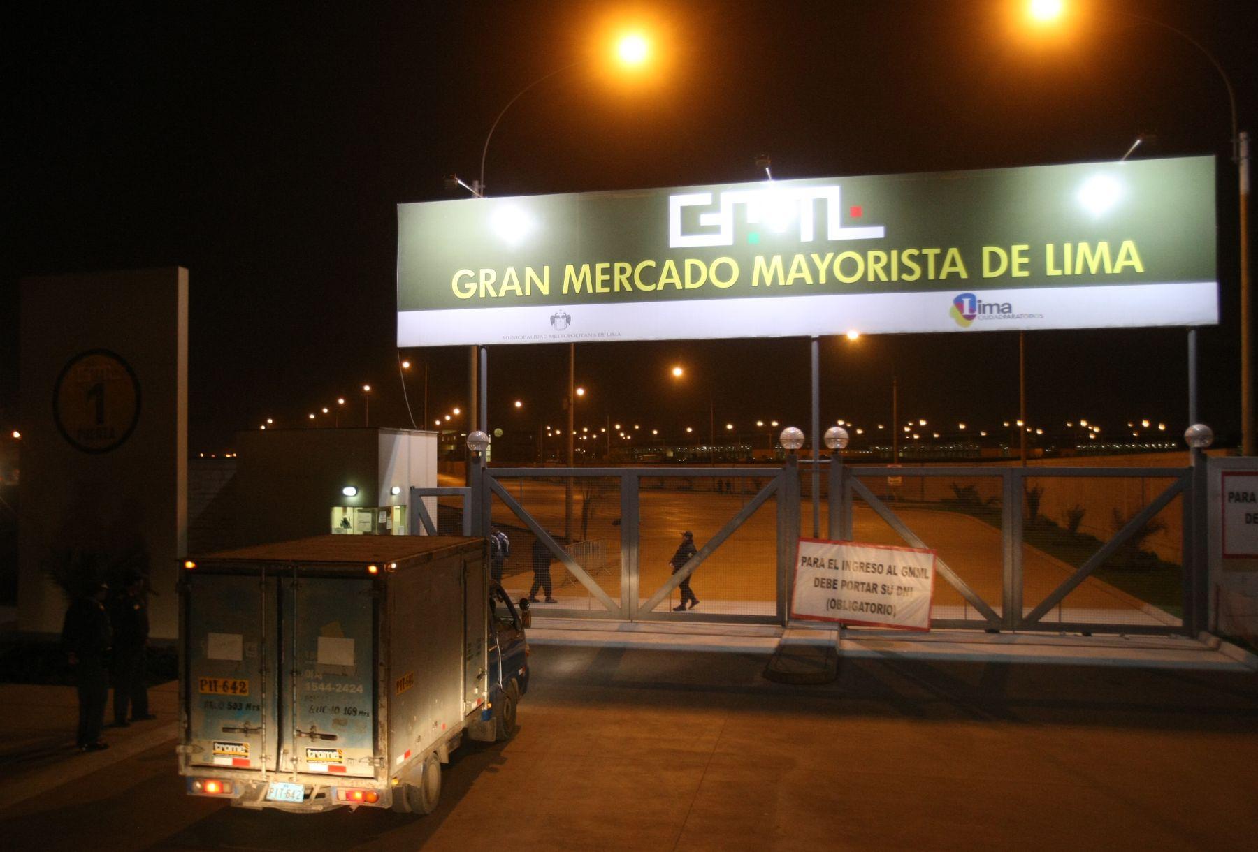 Ingresan camiones de carga al nuevo mercado de Santa Anita. Foto: ANDINA/Vidal Tarqui ANDINA/Vidal Tarqui.