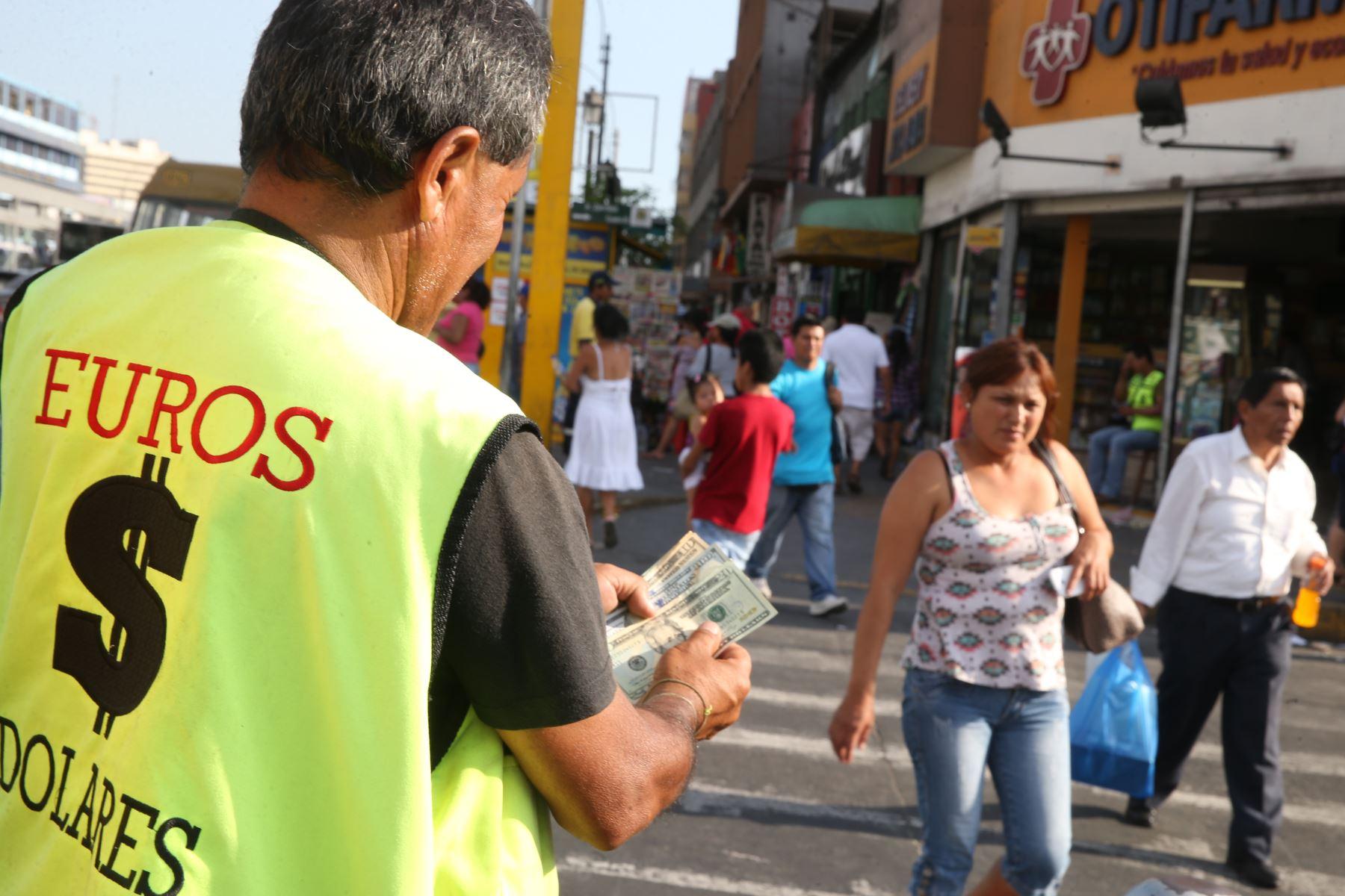 Dólares.Foto: ANDINA/archivo