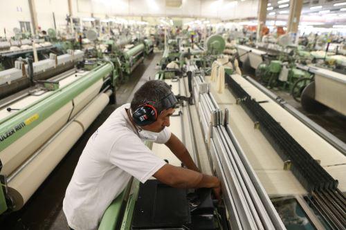 Trabajadores recibirán triple remuneración por feriados. ANDINA/archivo