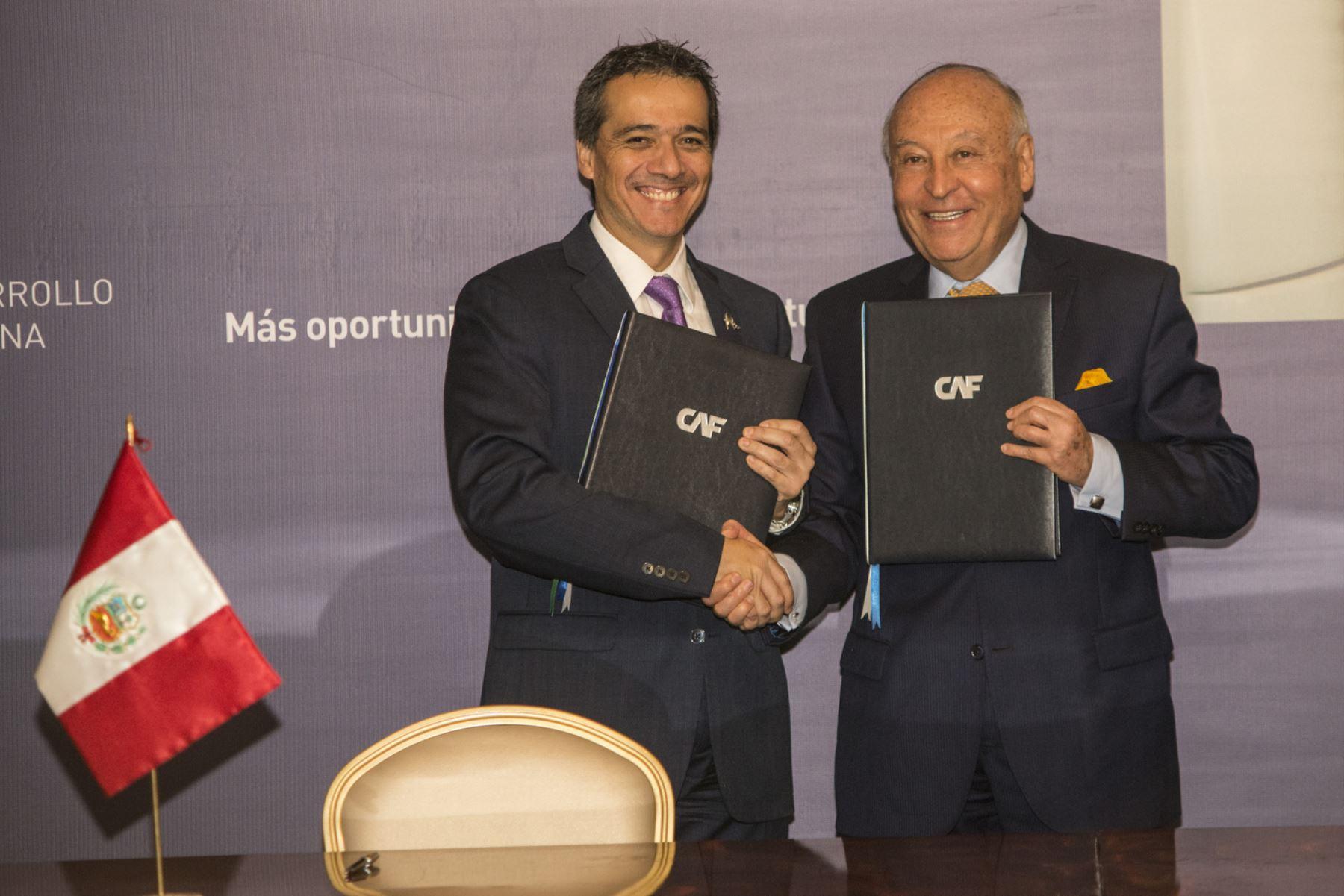 Gobierno renueva Suscripción de Acciones con la Corporación Andina de Fomento