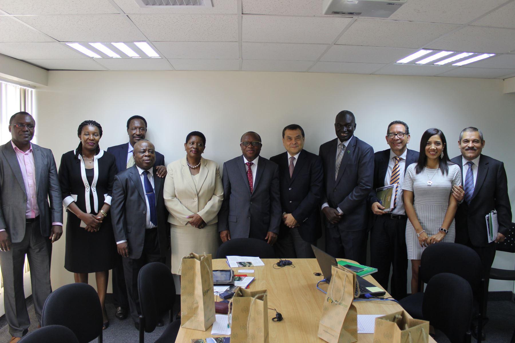 Visita de delegación de Afraca a la sede del Banco Agropecuario. Foto: Agrobanco.
