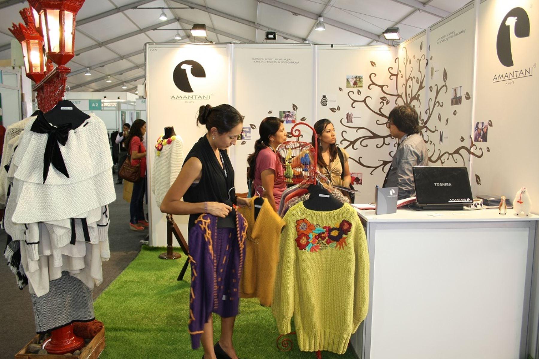 Ministra  prevé mayor impulso de industria textil con Perú Moda y Perú Gift Show 2016