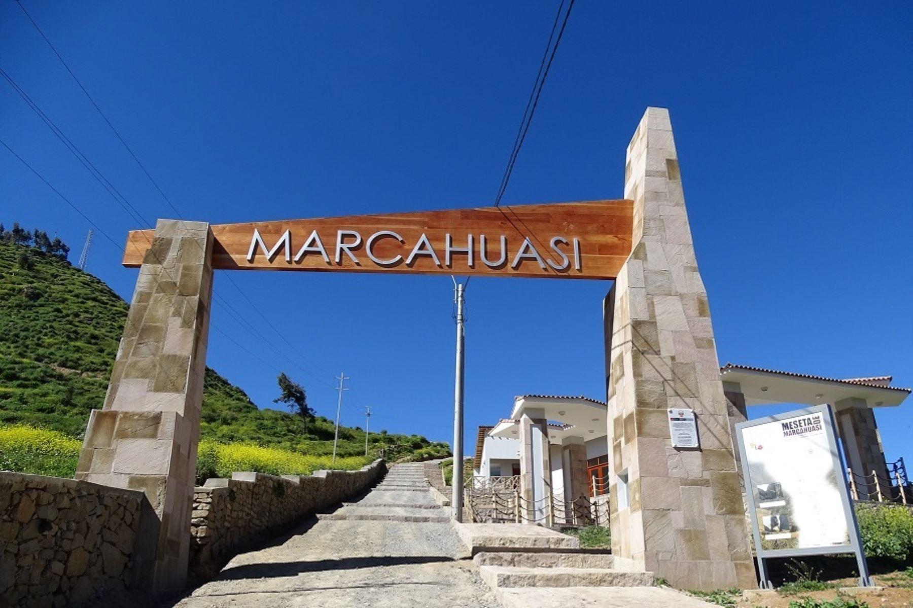 Portal de ingreso a la meseta de Marcahuasi, donde destacan su bosque de piedras con formas de animales y rostros humanos, en la provincia limeña de Huarochirí. ANDINA/Difusión