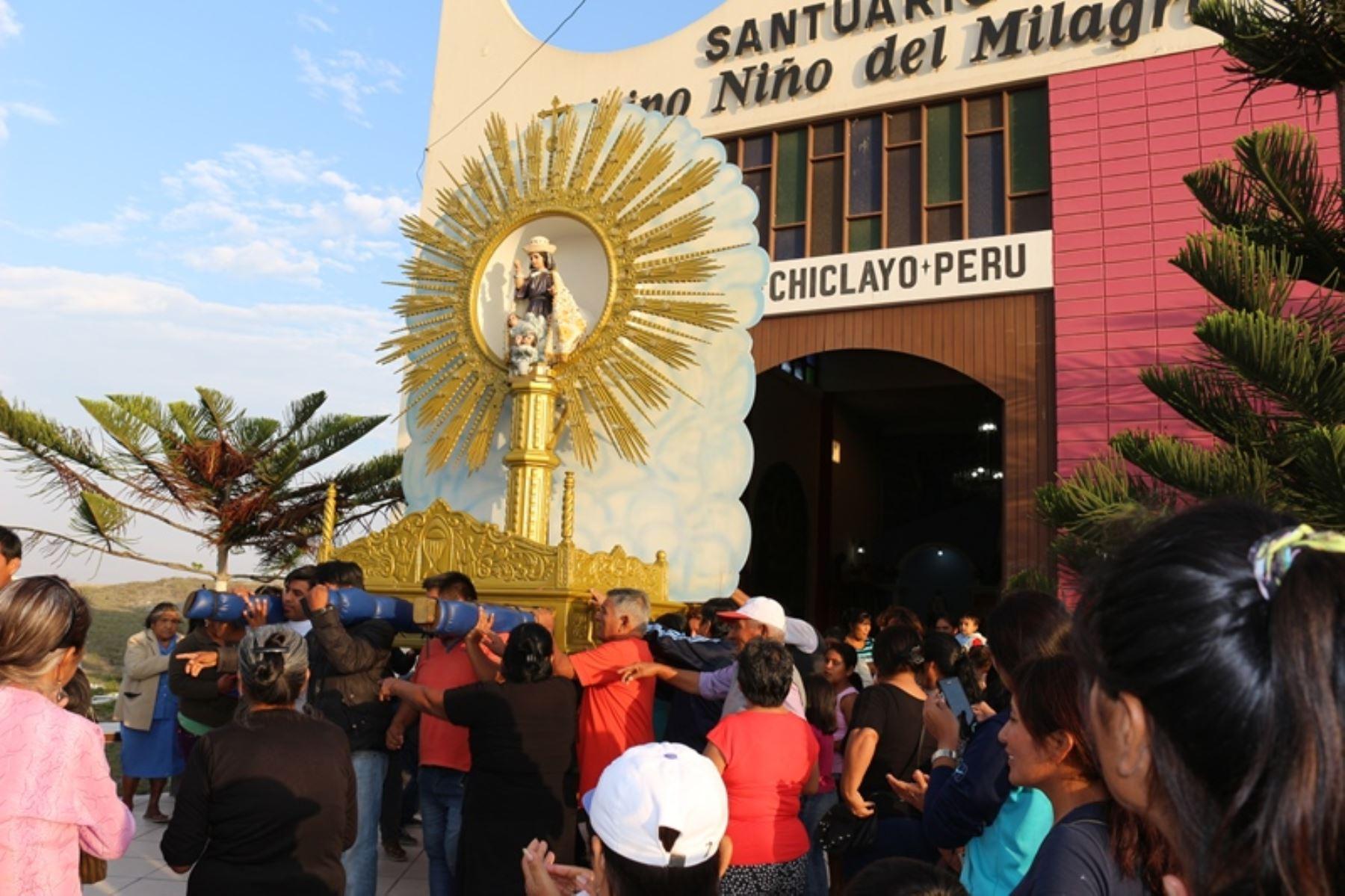 La Cruz de Motupe y la imagen del Divino Niño del Milagro de la Ciudad Eten serán trasladadas desde la región Lambayeque hacia Trujillo para acompañar al Papa Francisco durante la visita que realizará el 20 de enero del 2018 a esa ciudad capital de la región La Libertad. ANDINA/Difusión