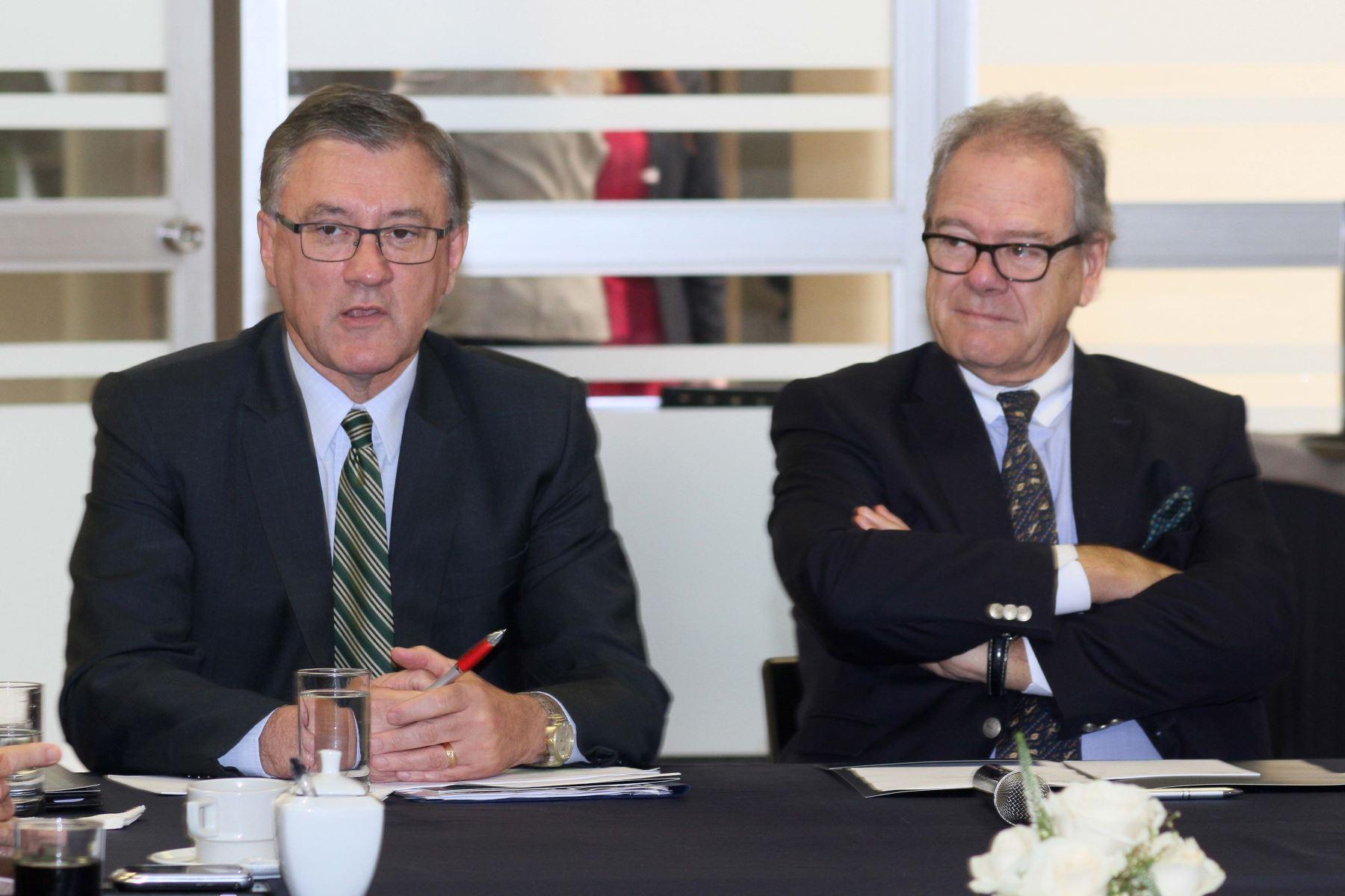 Ministro Alfonso Grados se reúne con presidente de la SNI