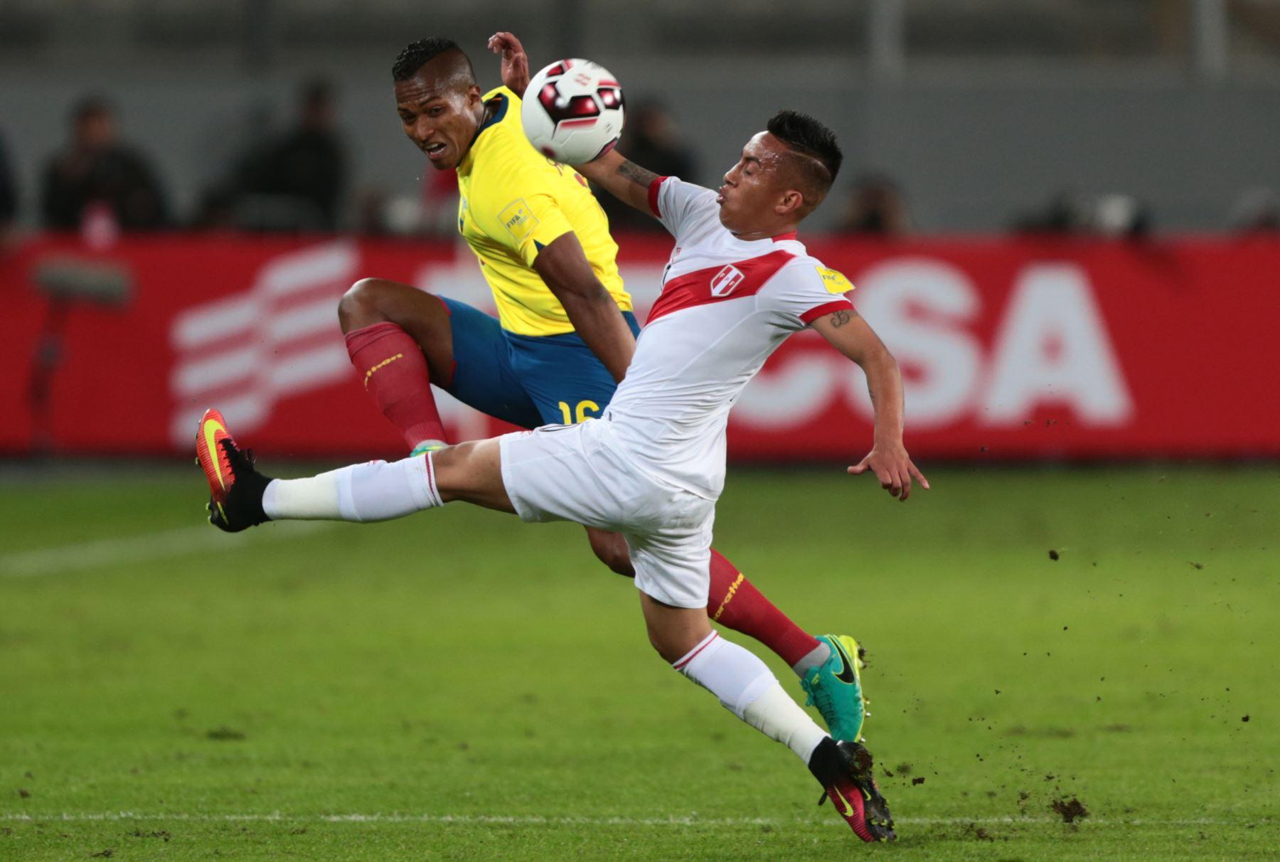 LIMA, PERÚ-SETIEMBRE 06. La selección peruana de fútbol se enfrenta a Ecuador por las eliminatorias del Mundial Rusia 2018. Foto: ANDINA/Carlos Lezama