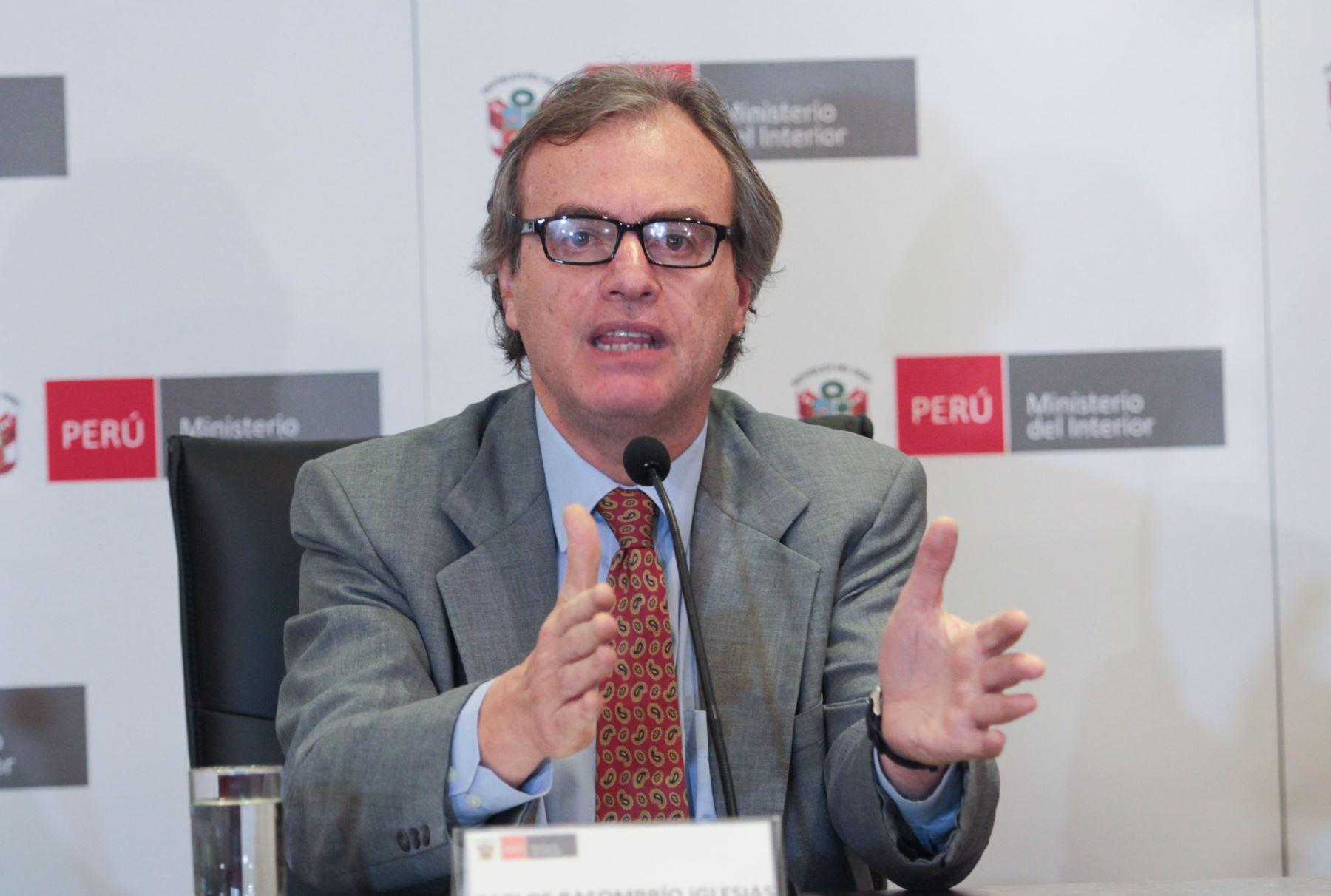 Lima per setiembre 15 conferencia de prensa del ministro for Foto del ministro del interior