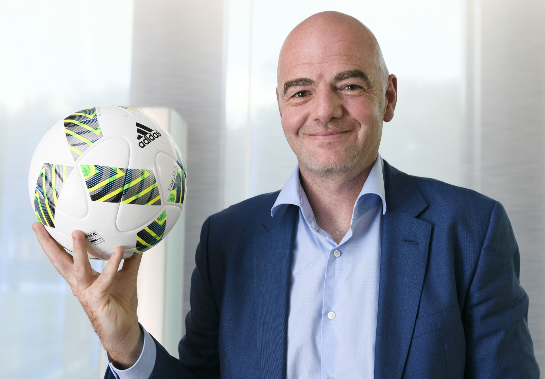 Presidente de la FIFA llegó a Lima para Cumbre Ejecutiva de Fútbol