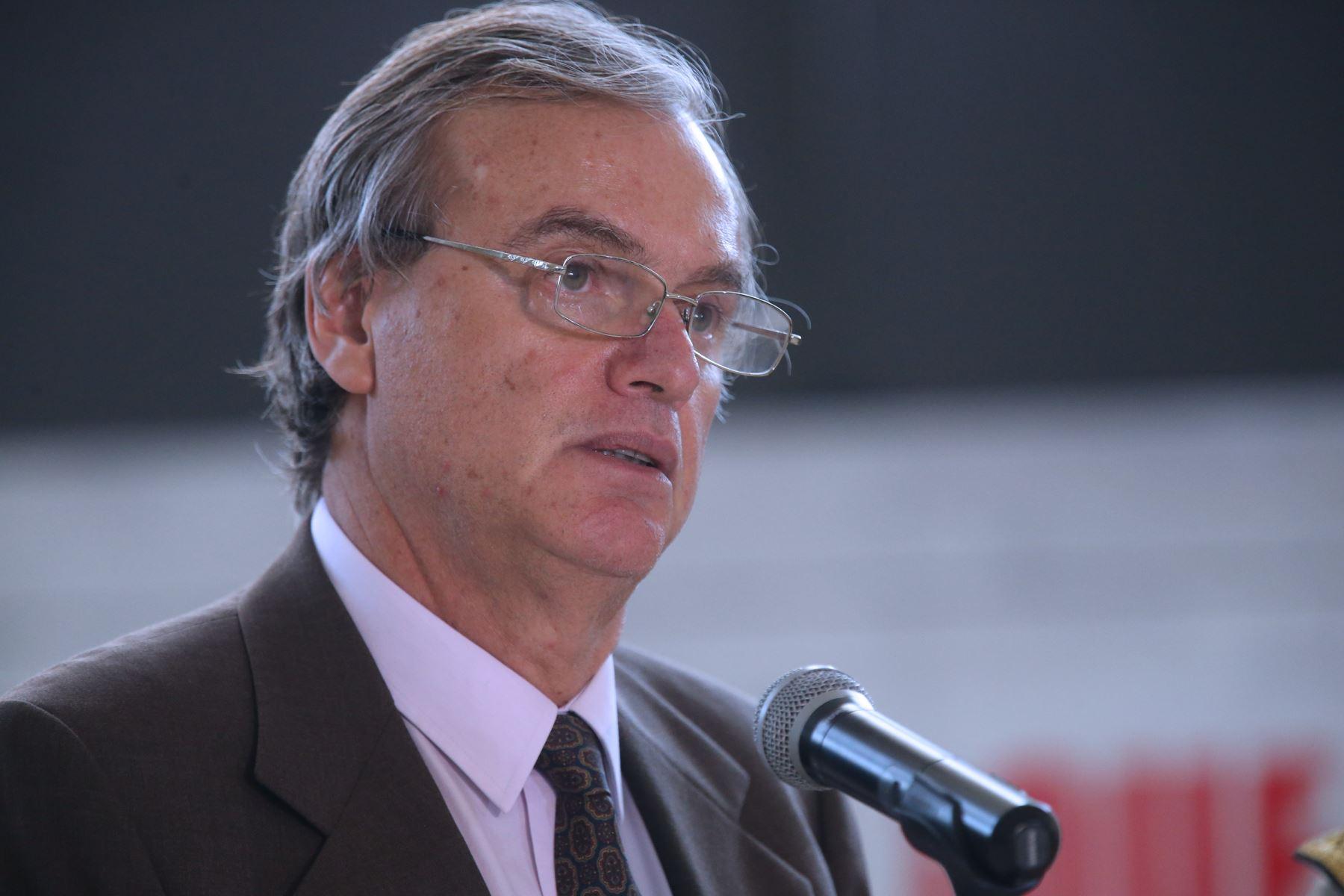 Ministro del interior presentar plan contra la for Ministro del interior espana 2016