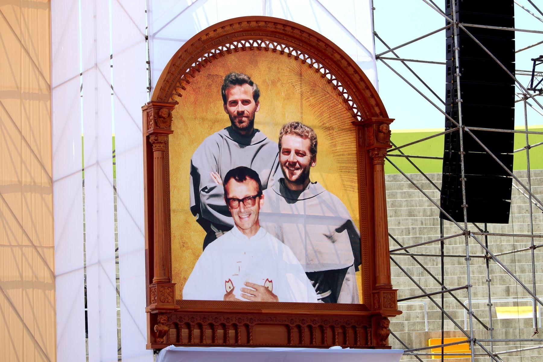 Incluyen fotografía y sello postal de los tres santos martes de Chimbote.Foto: ANDINA.