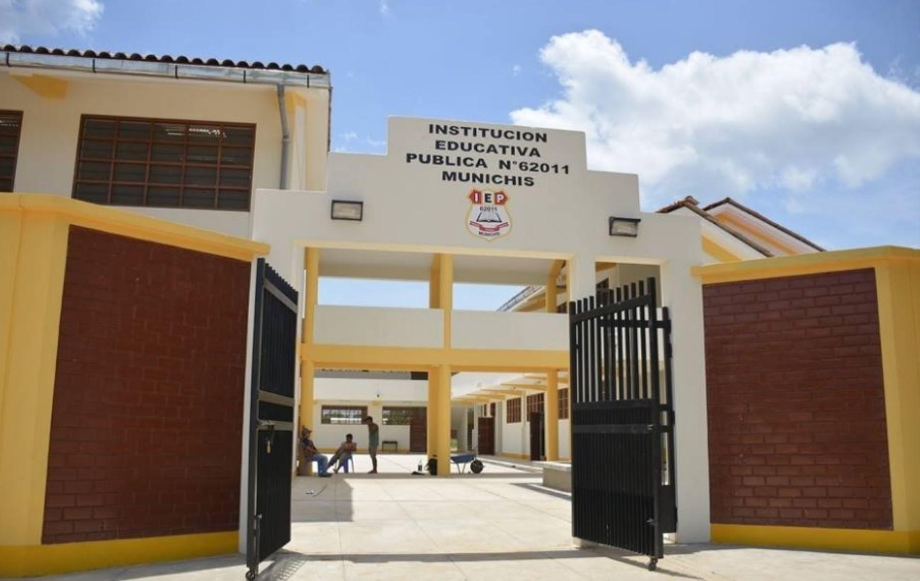 La infraestructura del citado colegio, que albergará a más de 500 alumnos que proceden de diferentes caseríos de la jurisdicción, ha sido construida por la municipalidad provincial de Alto Amazonas, con un financiamiento de 5 millones de soles otorgados por el Programa Nacional de Infraestructura Educativa (Pronied).