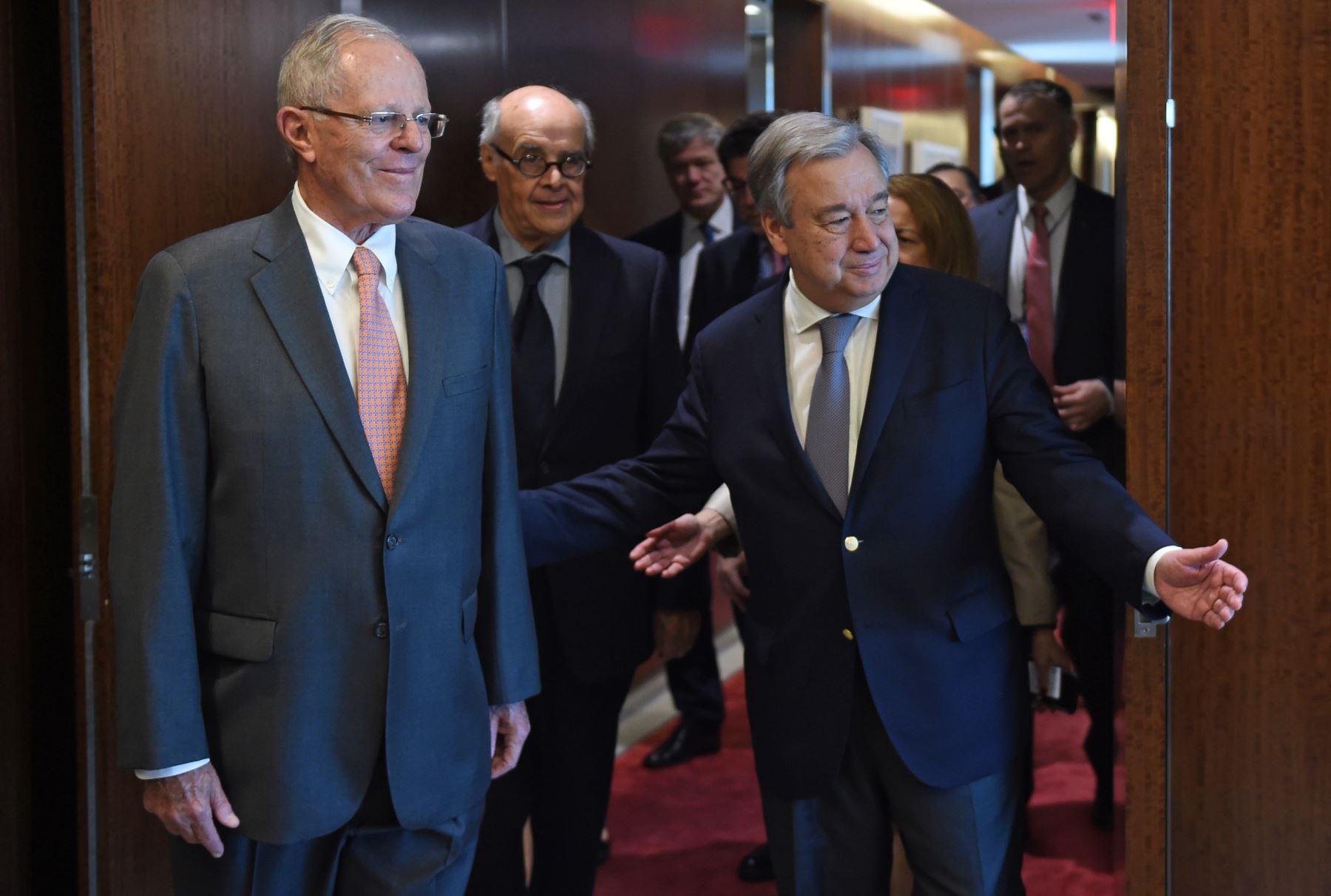 El Presidente Pedro Pablo Kuczynski se reúne con el Secretario General de la ONU, António Guterres, en la sede central de dicho organismo internacional, en Nueva York, Estados Unidos.Foto: AFP