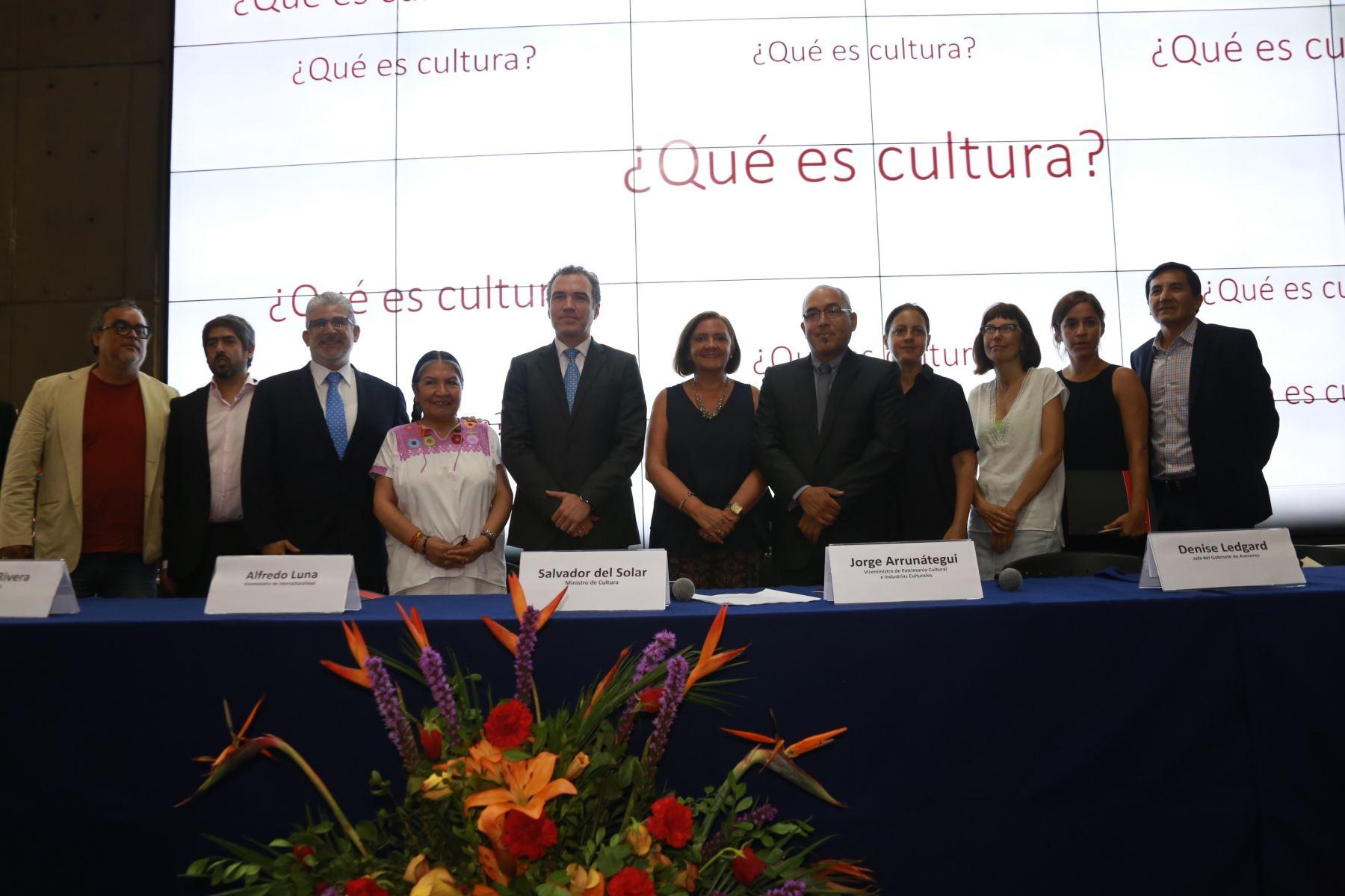 Comisión Consultiva para elaboración de Política Nacional de Cultura Foto: Ministerio de Cultura.