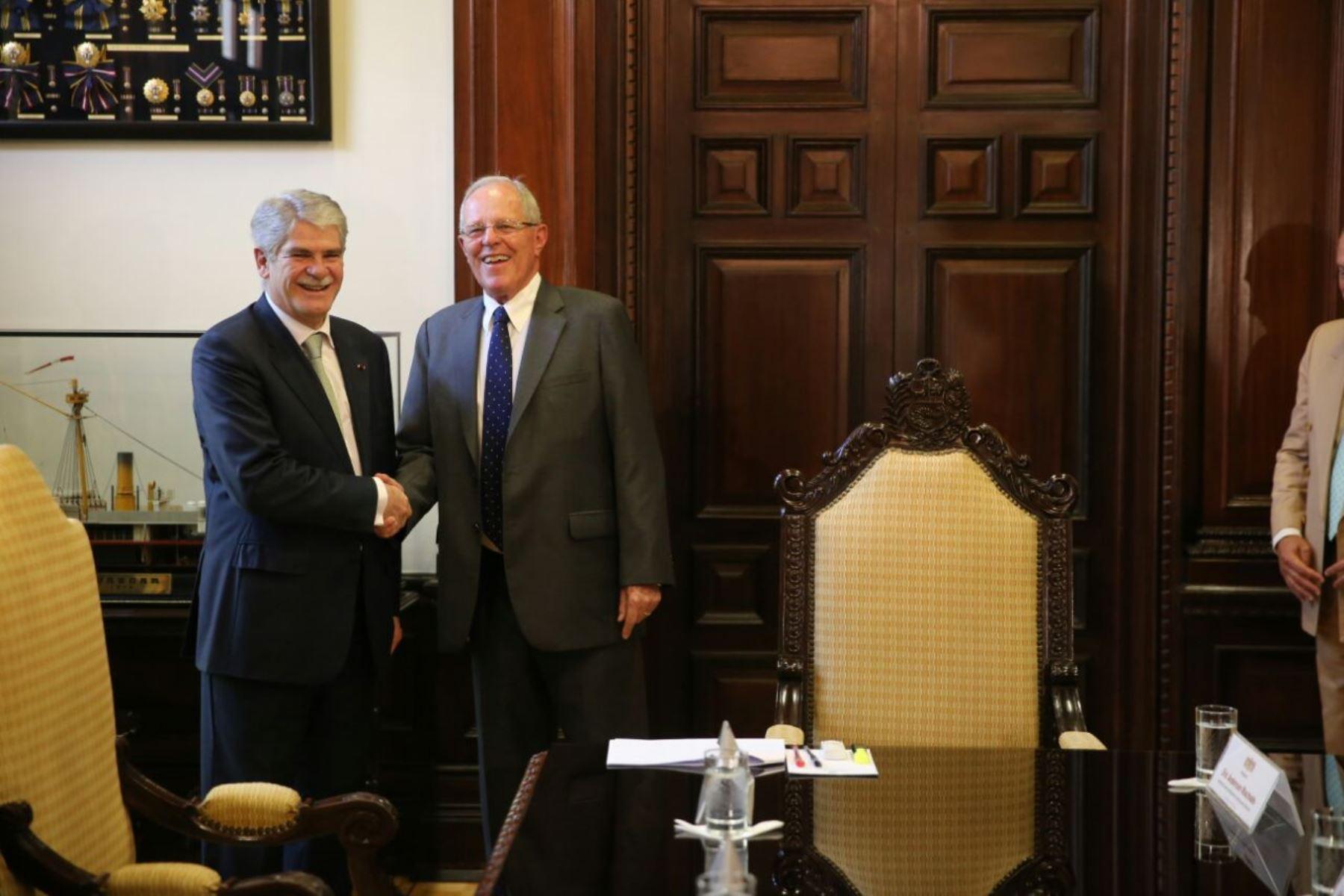 Presidente kuczynski recibi a ministro de asuntos for Exteriores espana