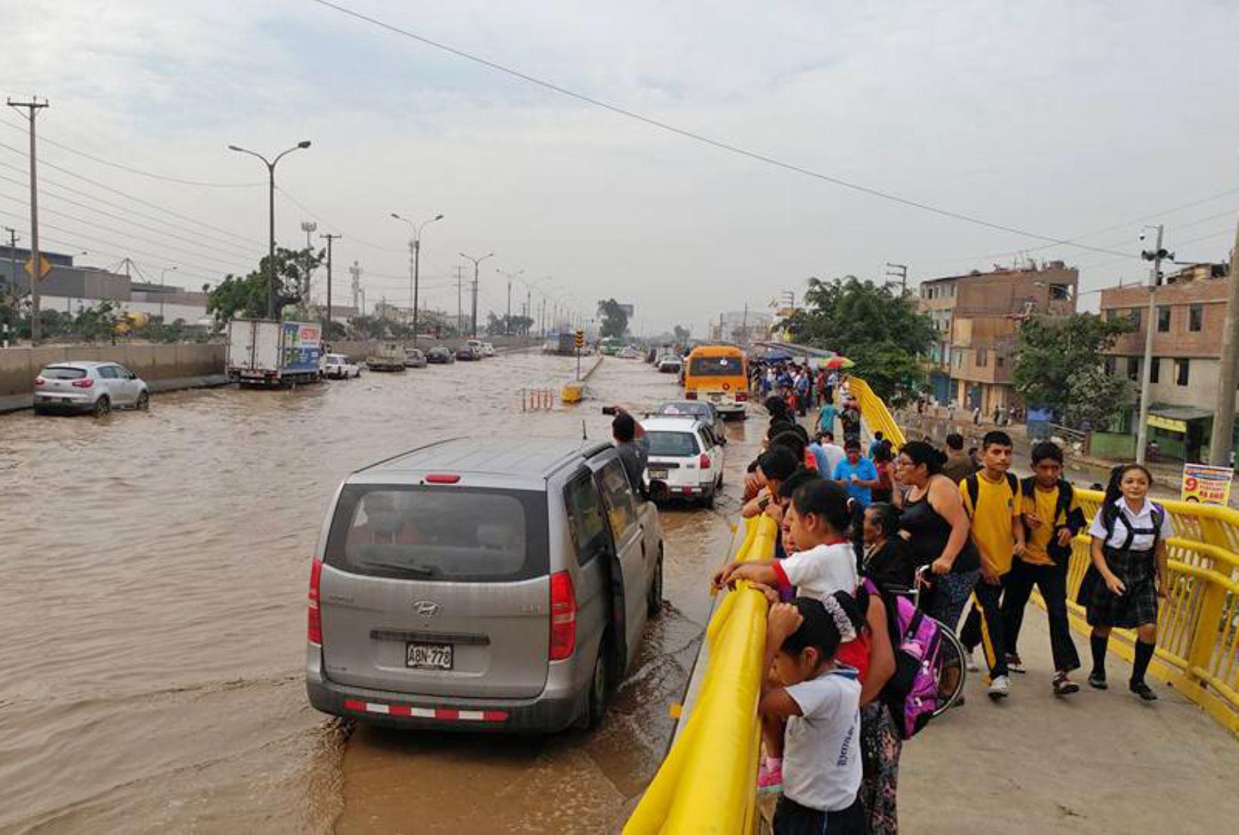 Panamericana Norte inundada en sector de Acobamba. Foto: Percy Buendía