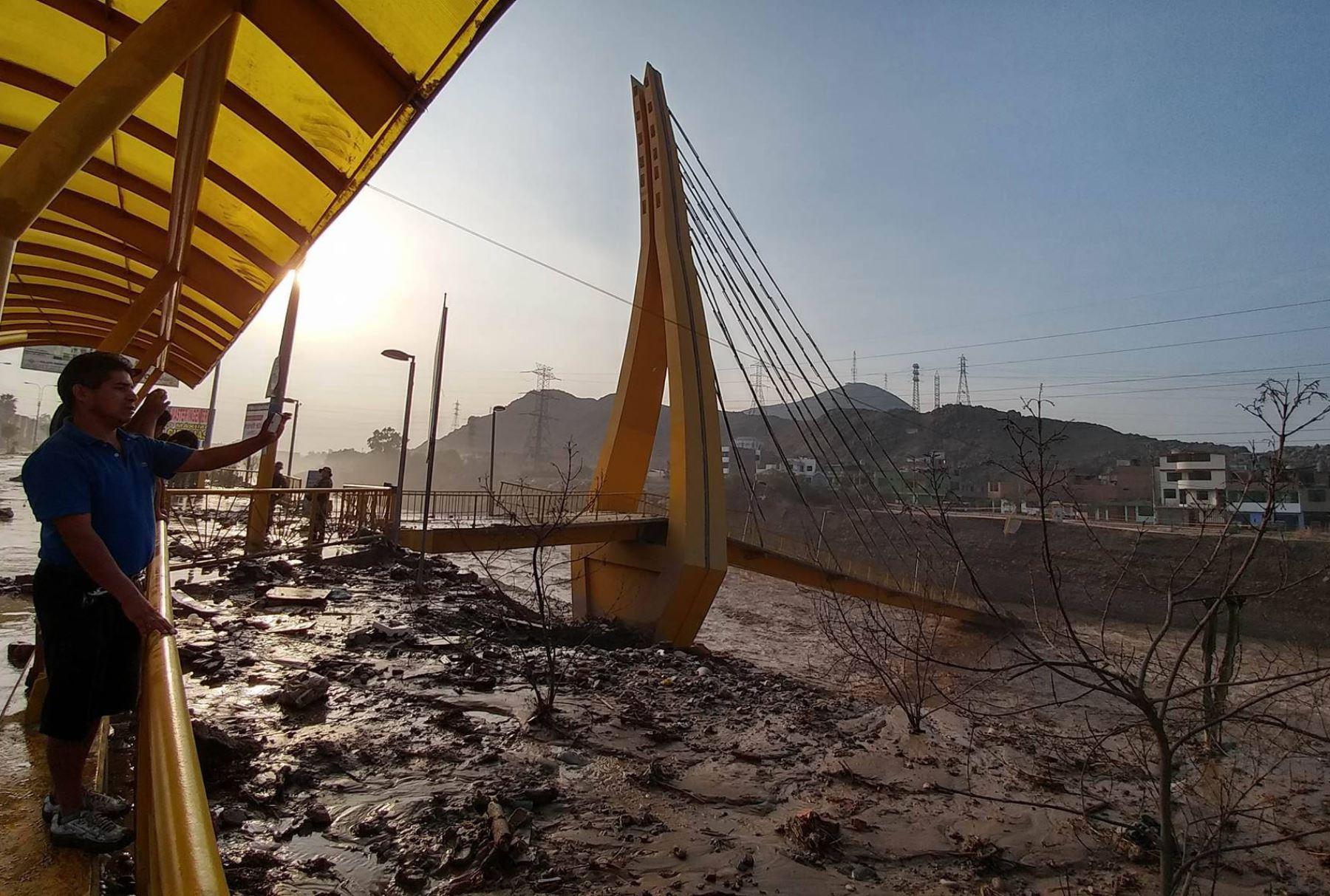 Nuevo desborde de río Huaycoloro inunda viviendas y avenidas de San Juan de Lurigancho.Foto: ANDINA/ Juan Carlos Guzman