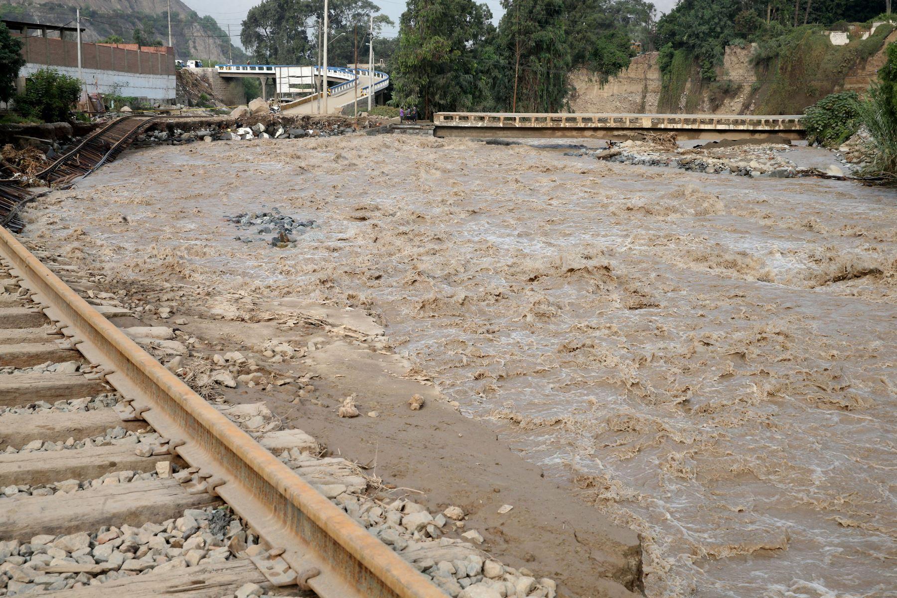 Desviación del río Rímac deja más de 50 damnificados — Chosica