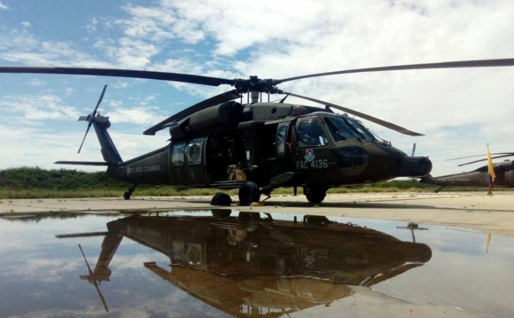 Helicóptero de la Fuerza Aérea Colombiana que ayudará en traslado de personas afectadas por lluvias