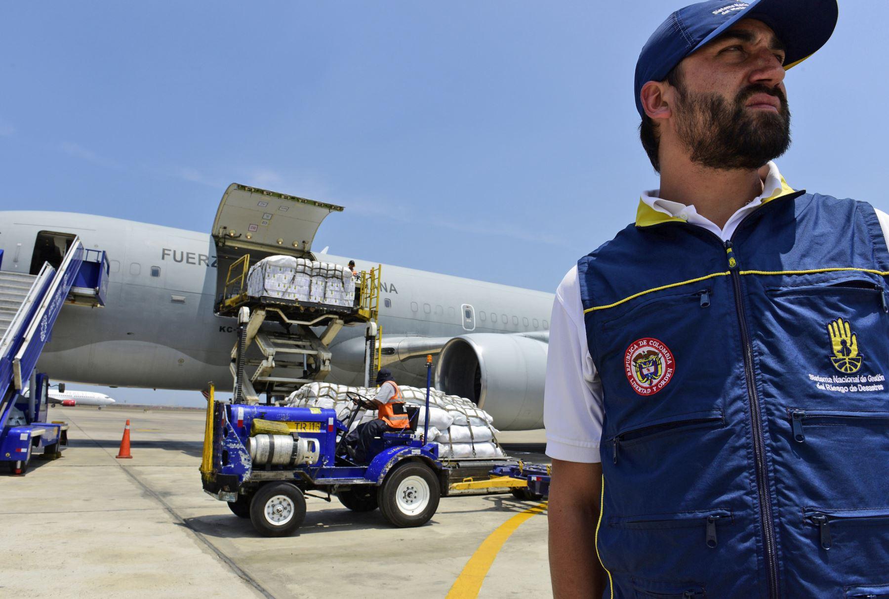 Colombia entrega 30 toneladas de ayuda humanitaria para damnificados