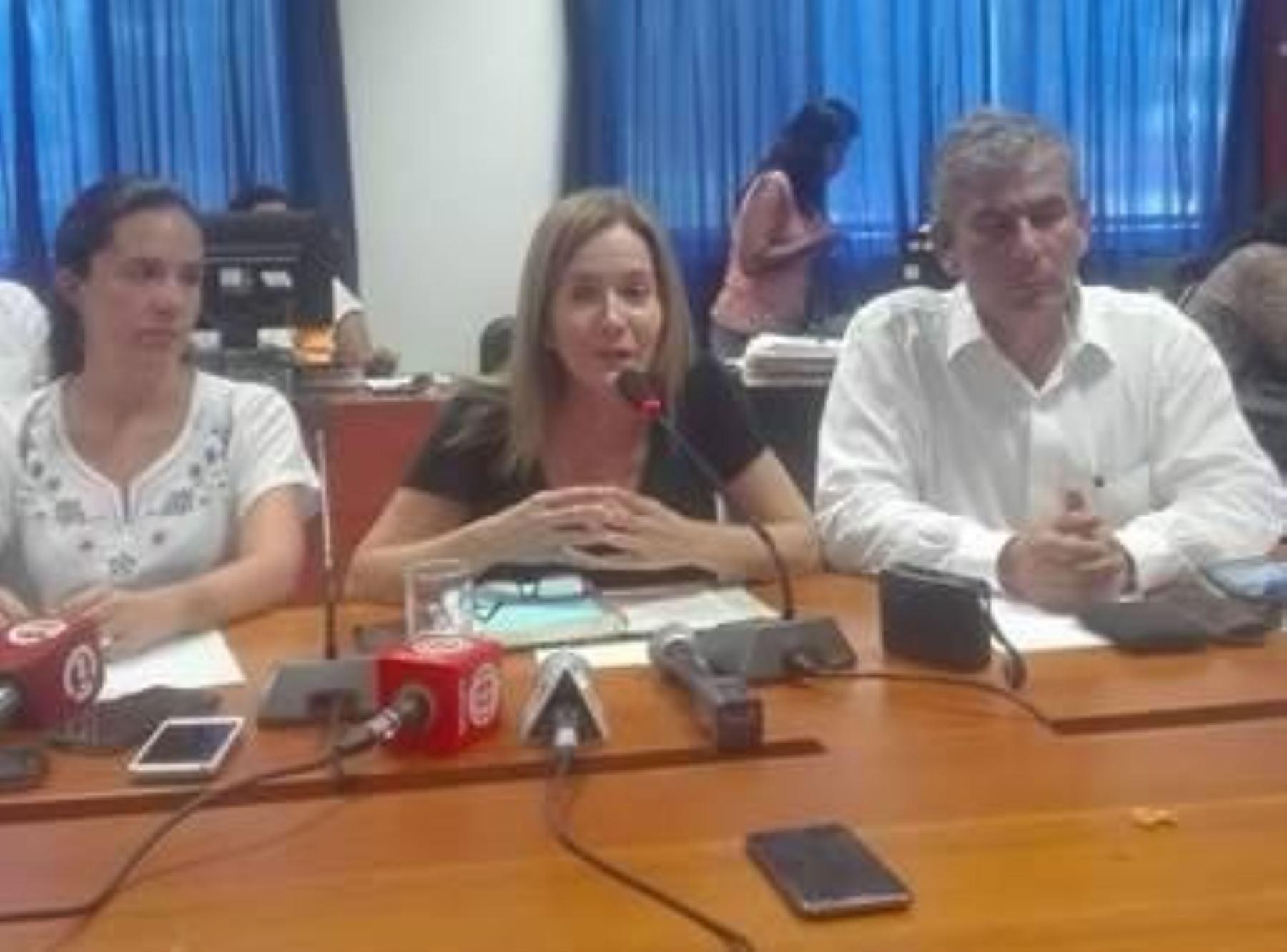 Ministra de Educación, Marilú Martens, encabeza las acciones de ayuda en región Piura. ANDINA