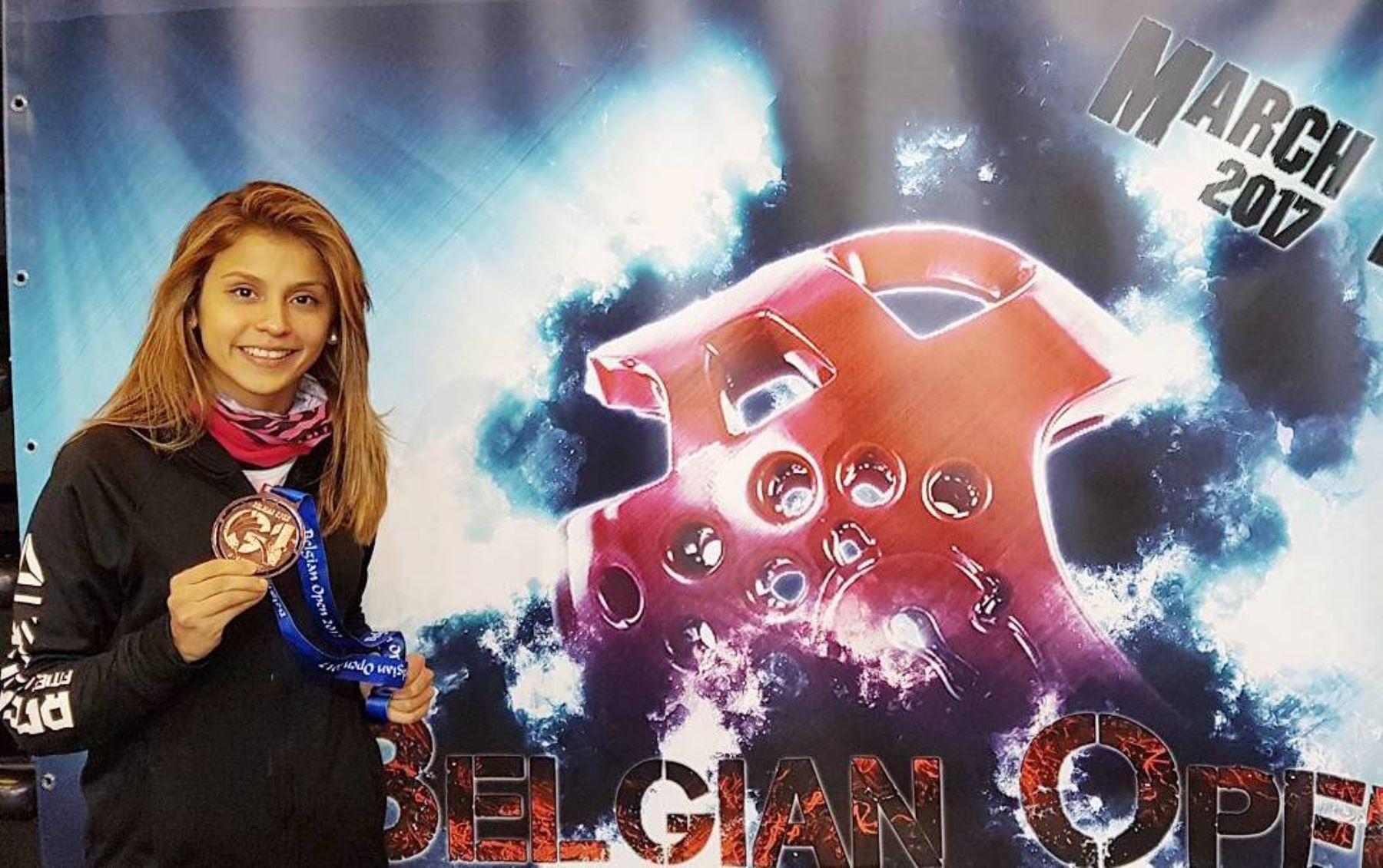 Julissa Diez Canseco consiguió la medalla de bronce en el Open de Bélgica, categoría 49 kilos.