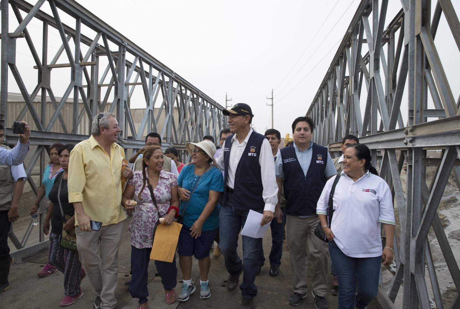 Ministro de Transporte Martin Vizcarra,  pone en funcionamiento puente Bailey sobre río Carapongo en Santa Rosa Chosica. Foto: ANDINA/Dante Zegarra