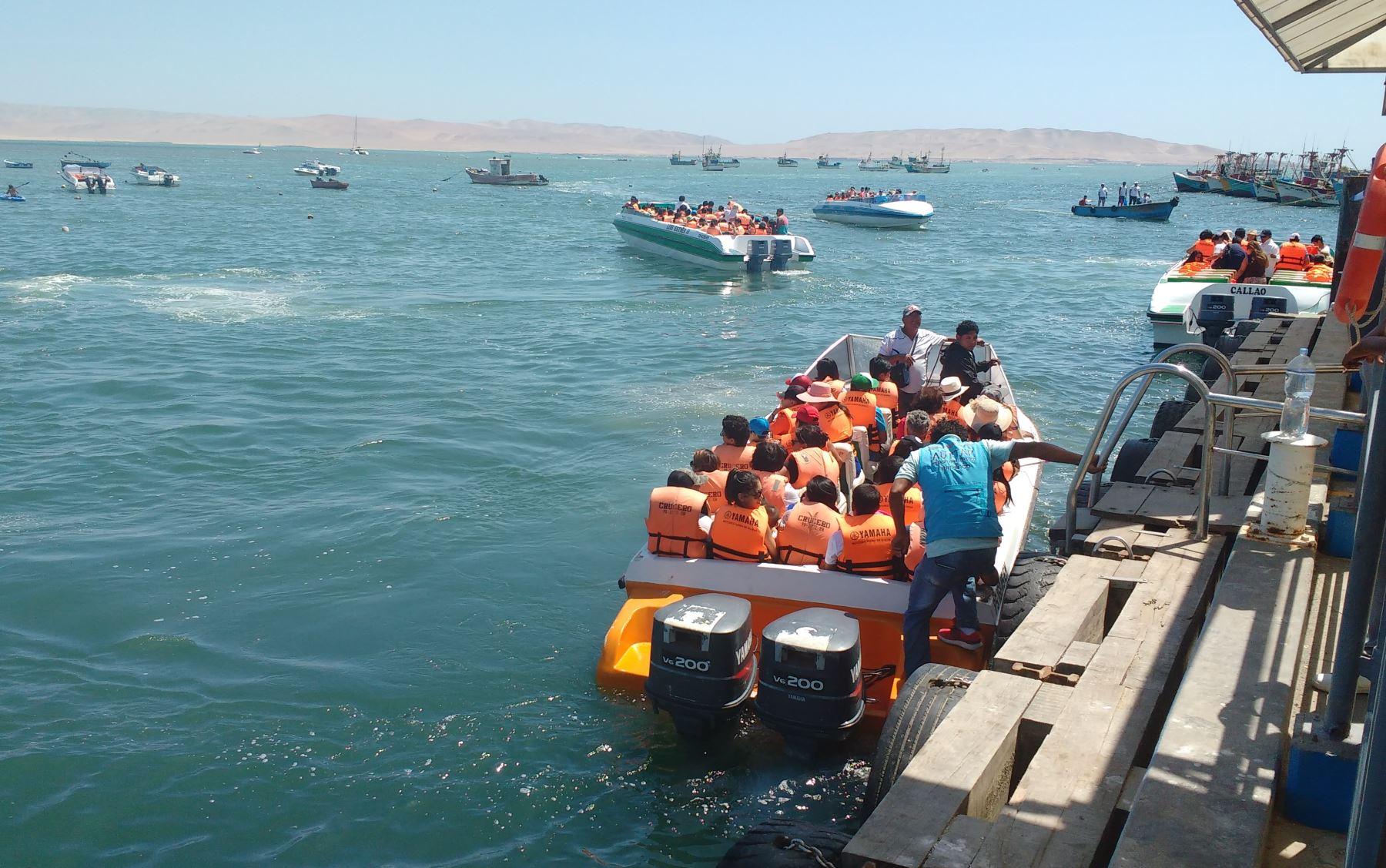 Turistas en Paracas rumbo a las Islas Ballestas. Foto: Cortesía Capatur.