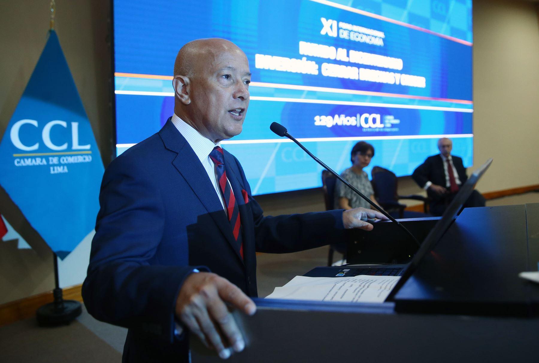 LIMA,PERÚ-ABRIL 19. Mario Mongilardi presidente de la Cámara de comercio de Lima expone en el XI Foro Internacional de Economía QUO VADIS PERÚ 2017. Foto: ANDINA/Vidal Tarqui