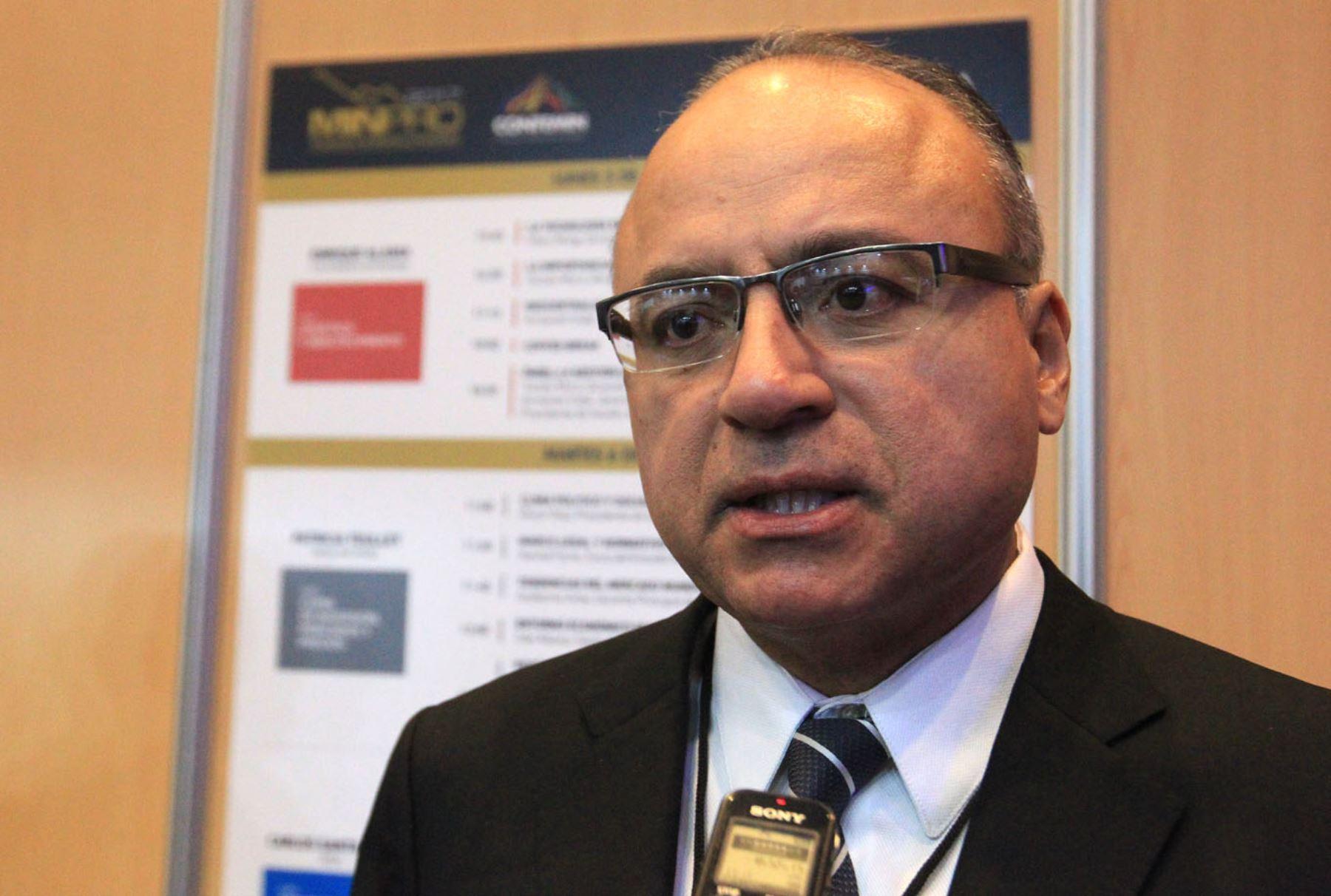 Presidente del Instituto de Ingenieros de Minas del Perú, Víctor Gobitz. ANDINA/Héctor Vinces
