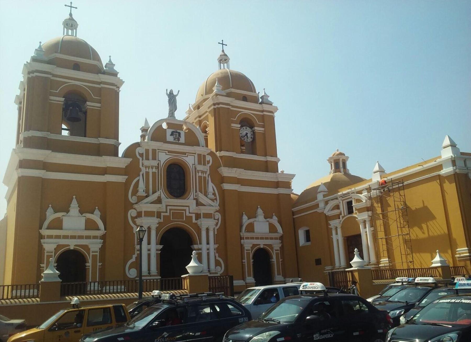 Catedral de Trujillo celebró con campanazo la noticia de visita de papa Francisco. ANDINA/Luis Puell