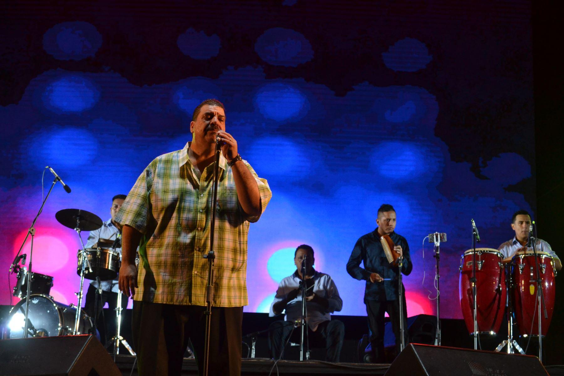 Maelo Ruiz cantó de principio a fin sus mejores temas. Foto cortesía: Marco Tapia.