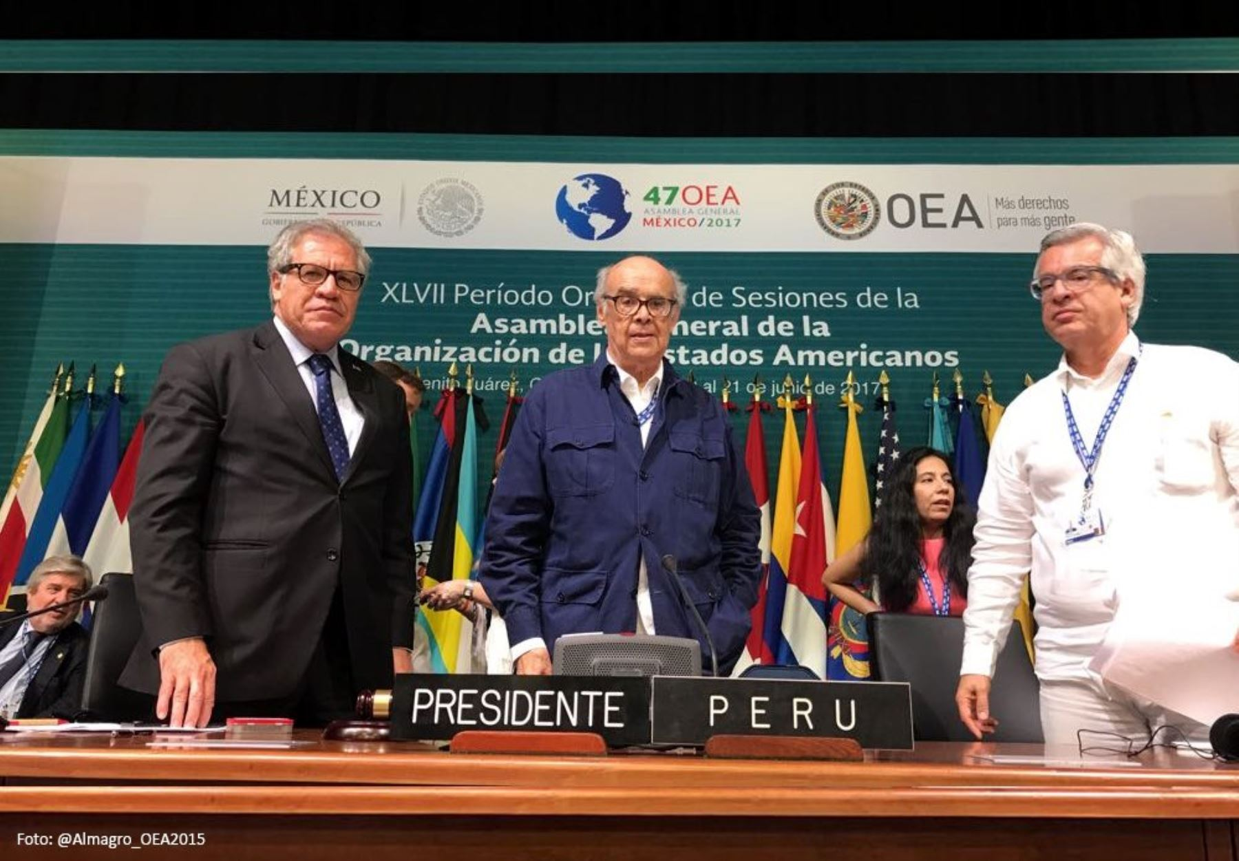 Minister Ricardo Luna at OAS meeting in Mexico