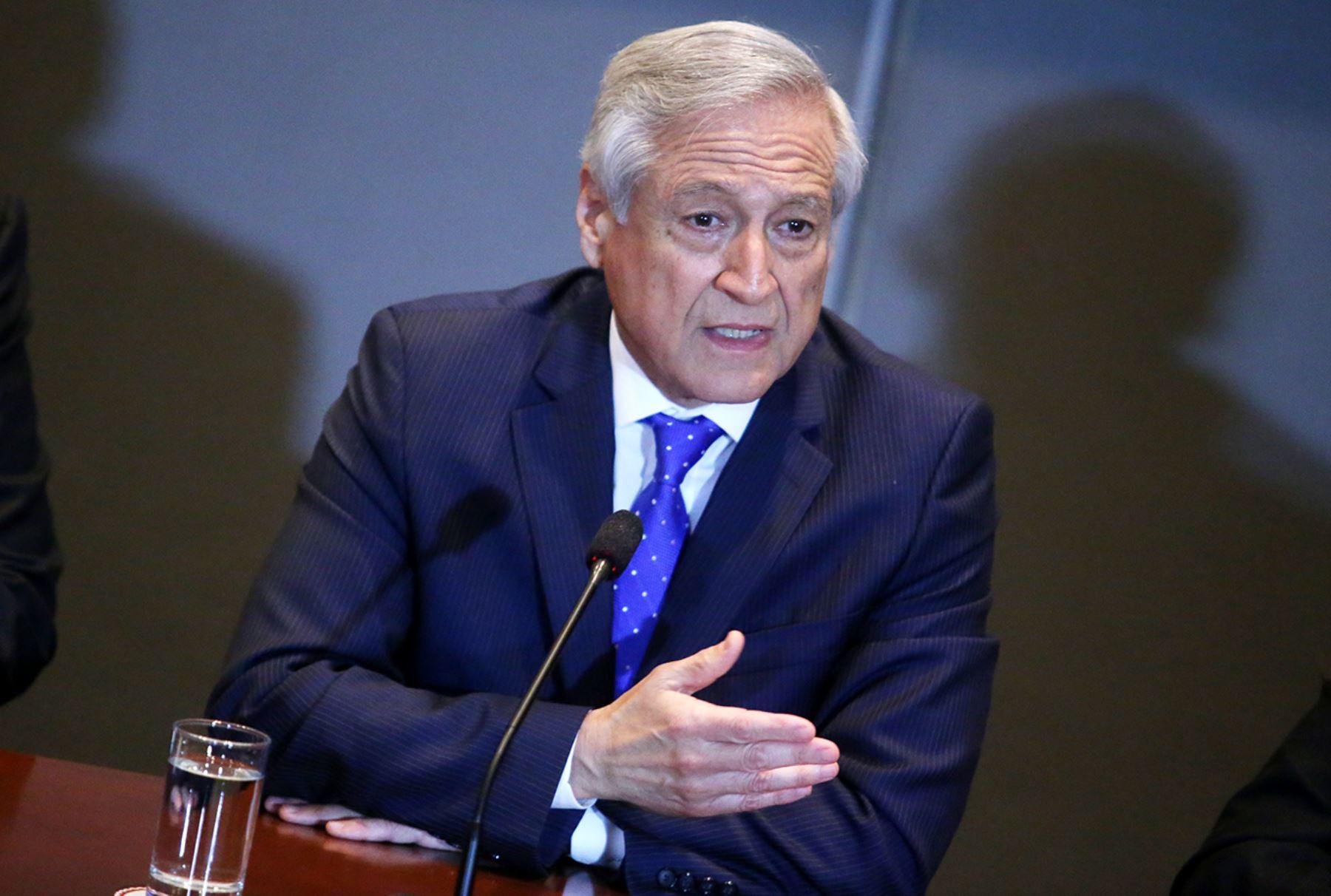 Heraldo Muñoz detalló los temas tratados con Sebastián Piñera tras reunión