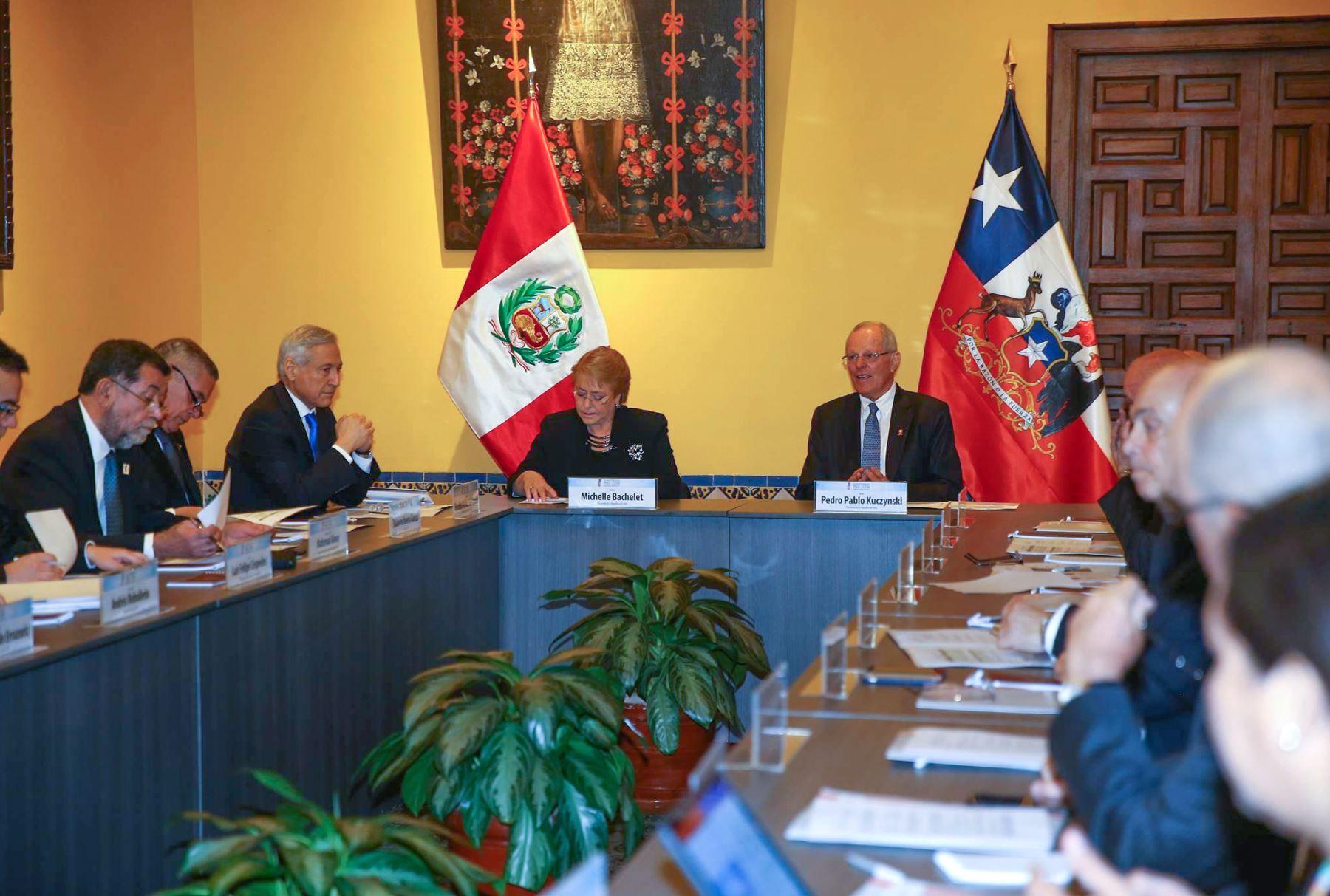 Los presidentes del Perú, Pedro Pablo Kuczynski, y de Chile, Michelle Bachelet, se reunen con empresarios de ambos países en la sede de la Cancillería, en el marco del Encuentro Presidencial y I Gabinete Binacional Perú-Chile. Foto: ANDINA/ Prensa Presidencia