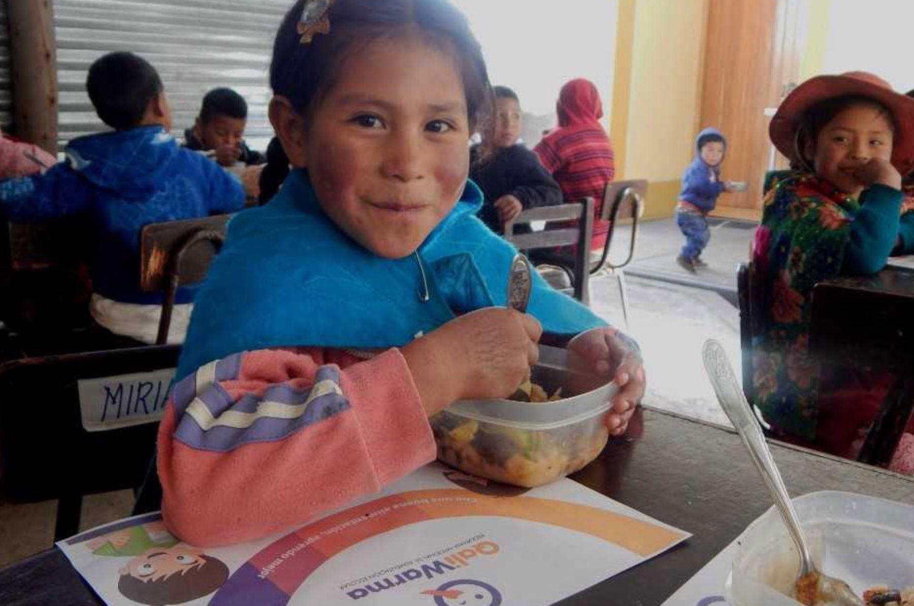 Con nutritivos desayunos Qali Warma beneficia a 42 niñas y niños de las dos instituciones educativas públicas del centro poblado de Parjawillka, en el distrito de Vinchos, región Ayacucho.