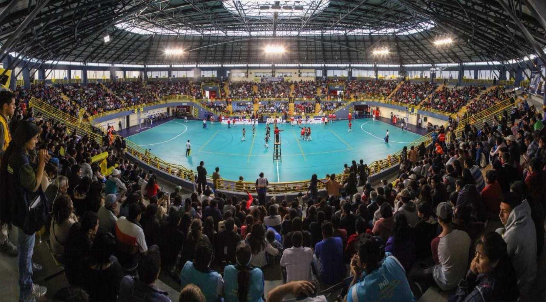 Región Lima inauguró moderan infraestructura del Coliseo Cerrado de Barranca.