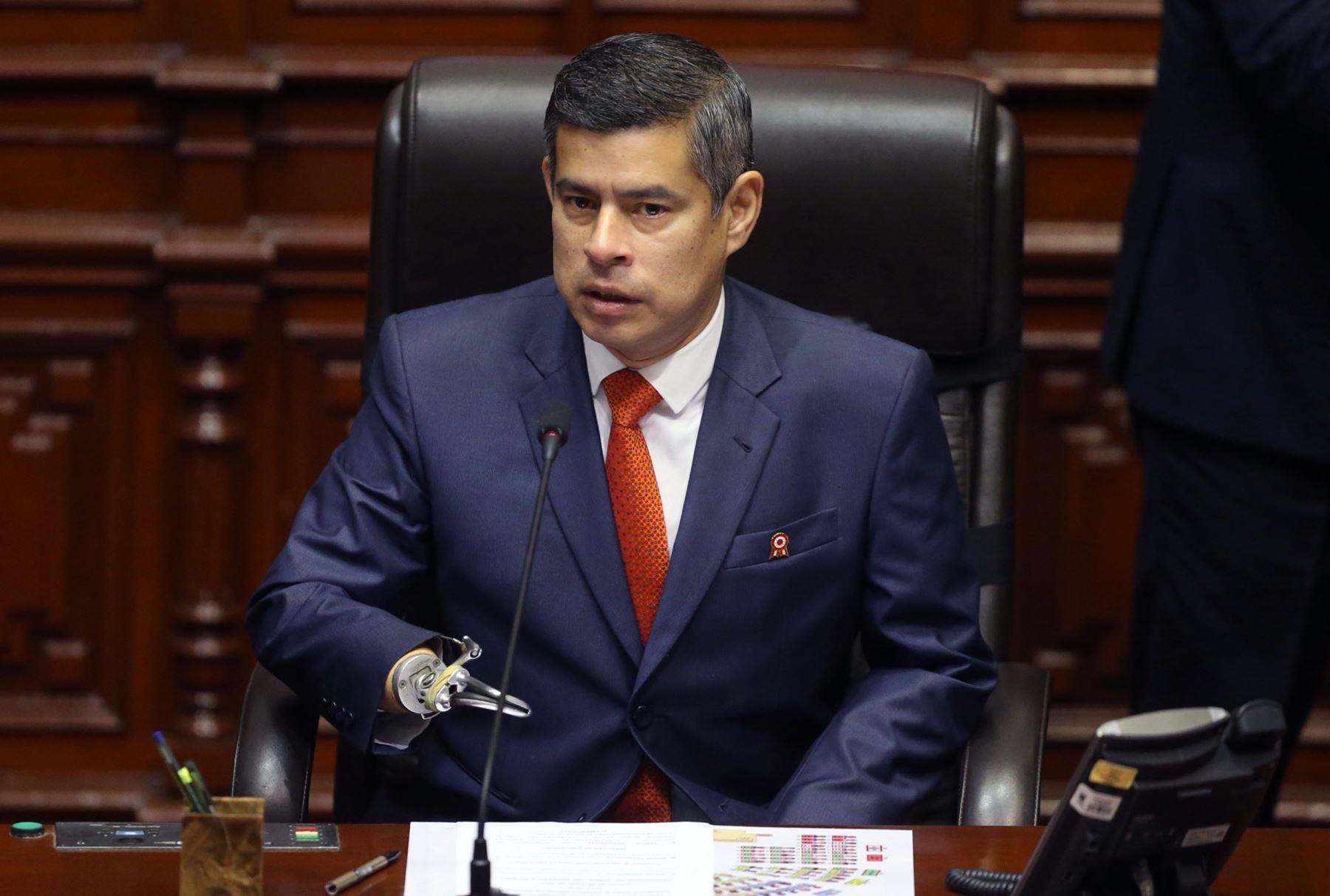 Presidente de Perú exhorta a trabajar sin diferencias ideológicas