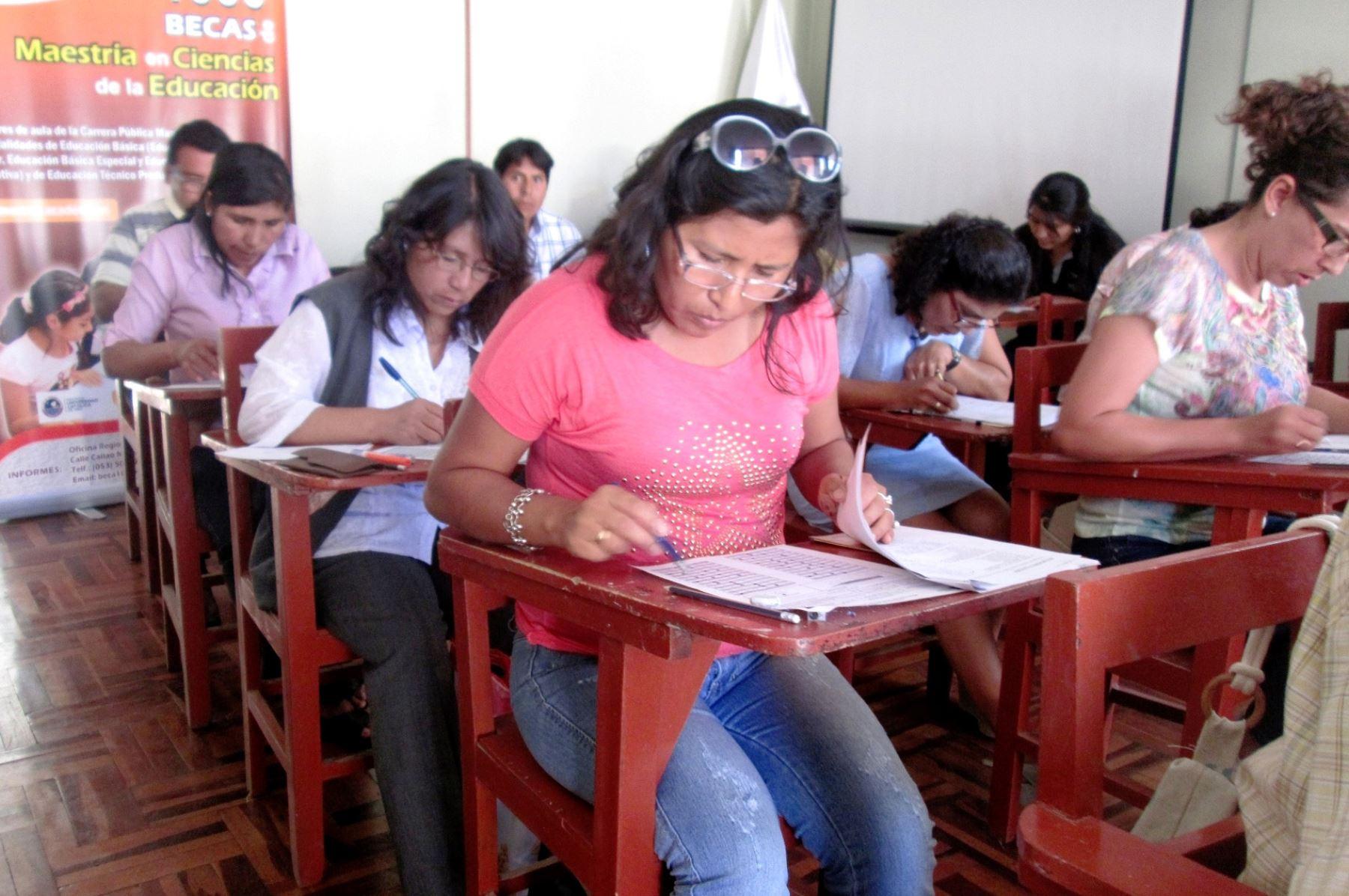 Convocan a concurso p blico de ascenso a profesores de for Concurso para profesores