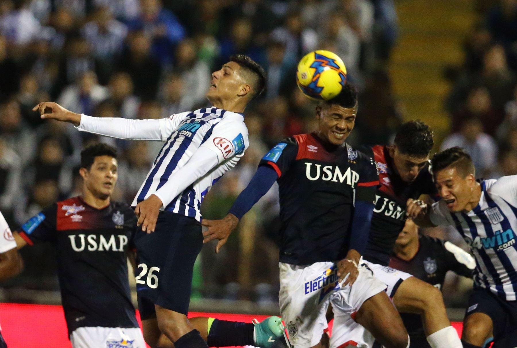 Alianza Lima vence a Comerciantes y se proclama campeón del fútbol peruano