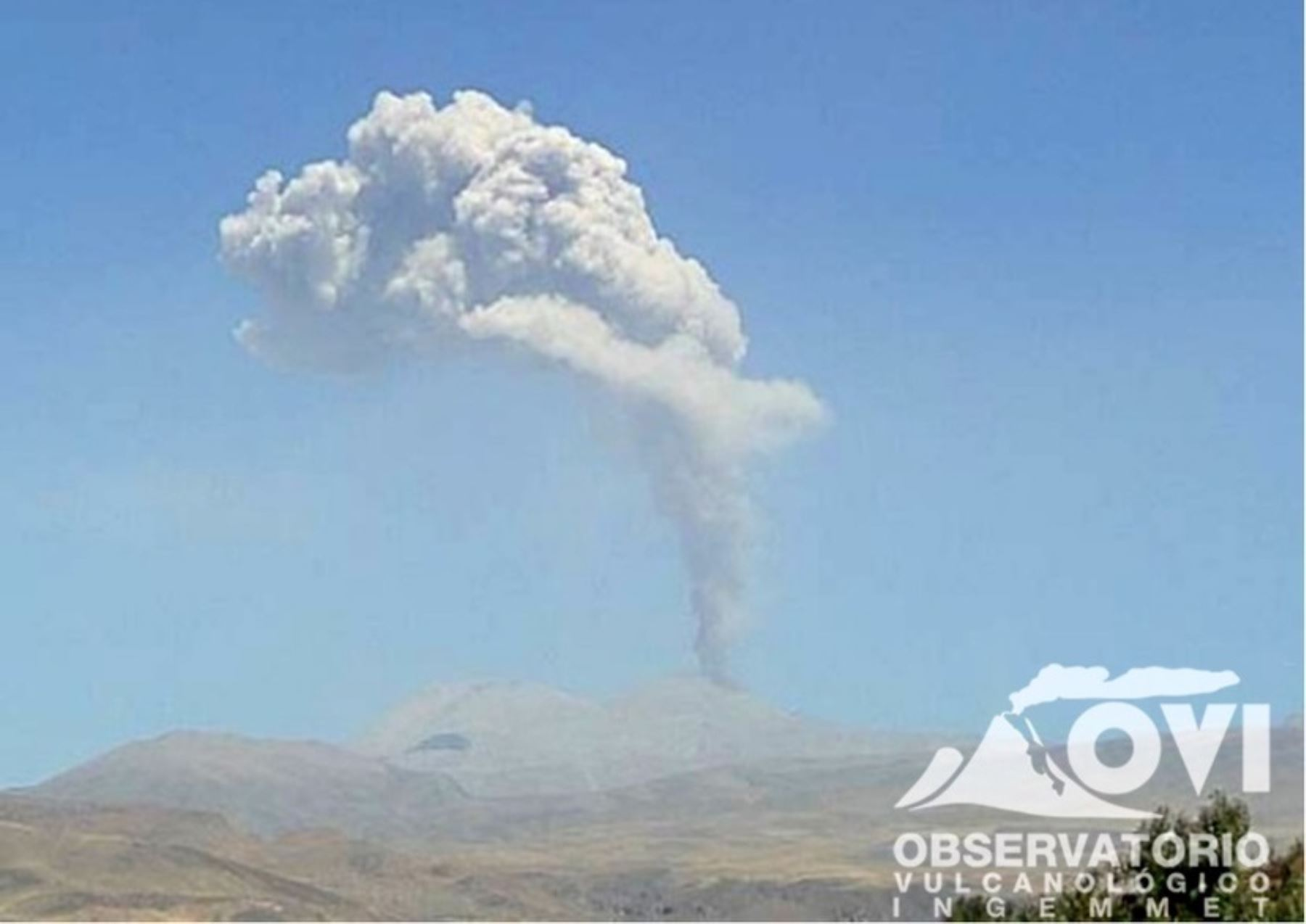 Actividad del volcán Sabancaya está en niveles moderados. ANDINA/Difusión