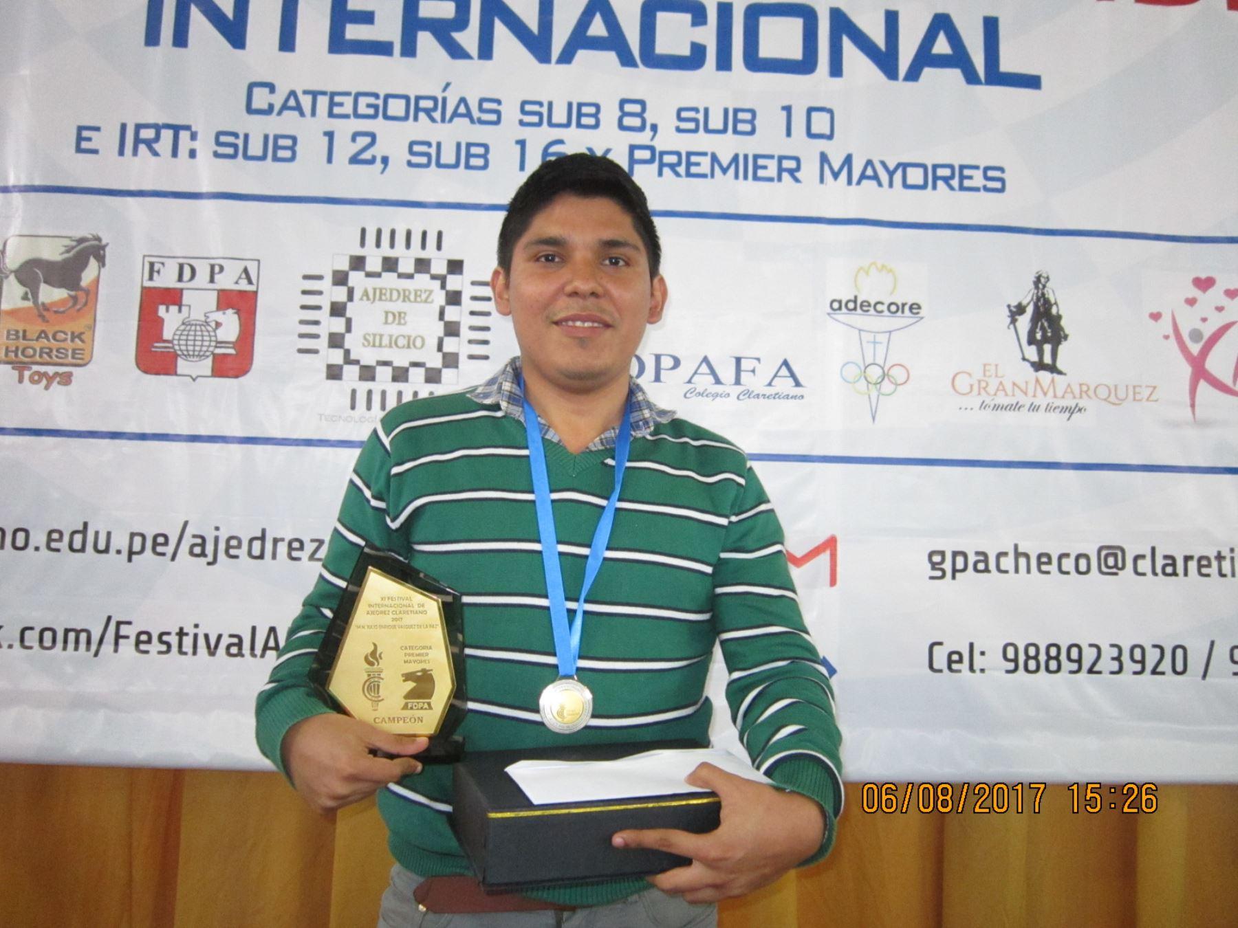 Renato Terry es uno de los mejores ajedrecistas del Perú