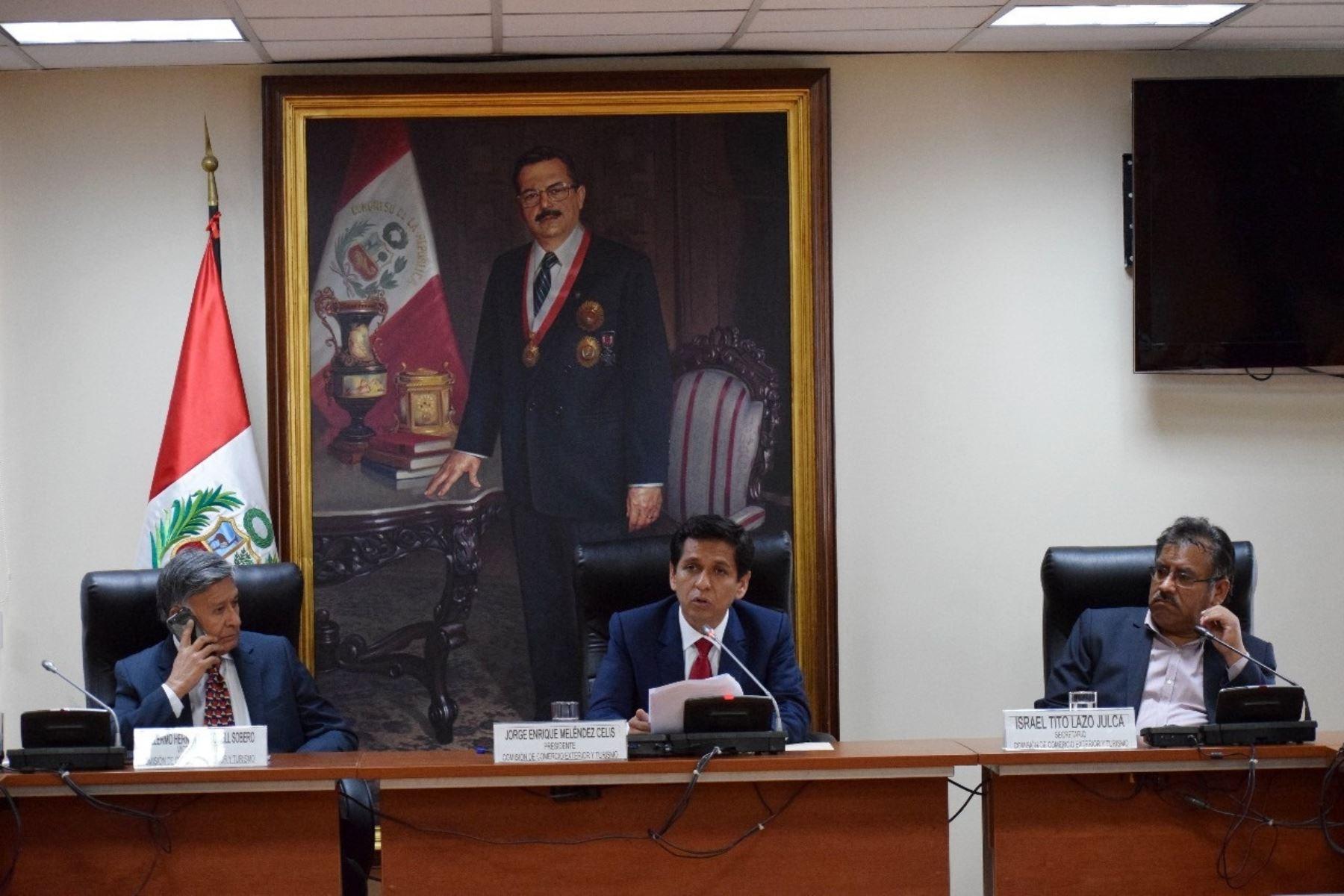 PPK afirma que no está obligado a comparecer ante ninguna comisión