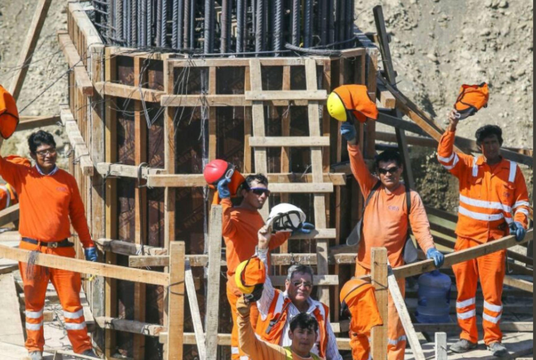 Avance de los trabajos en puente Venados, ubicado en el distrito de Lancones