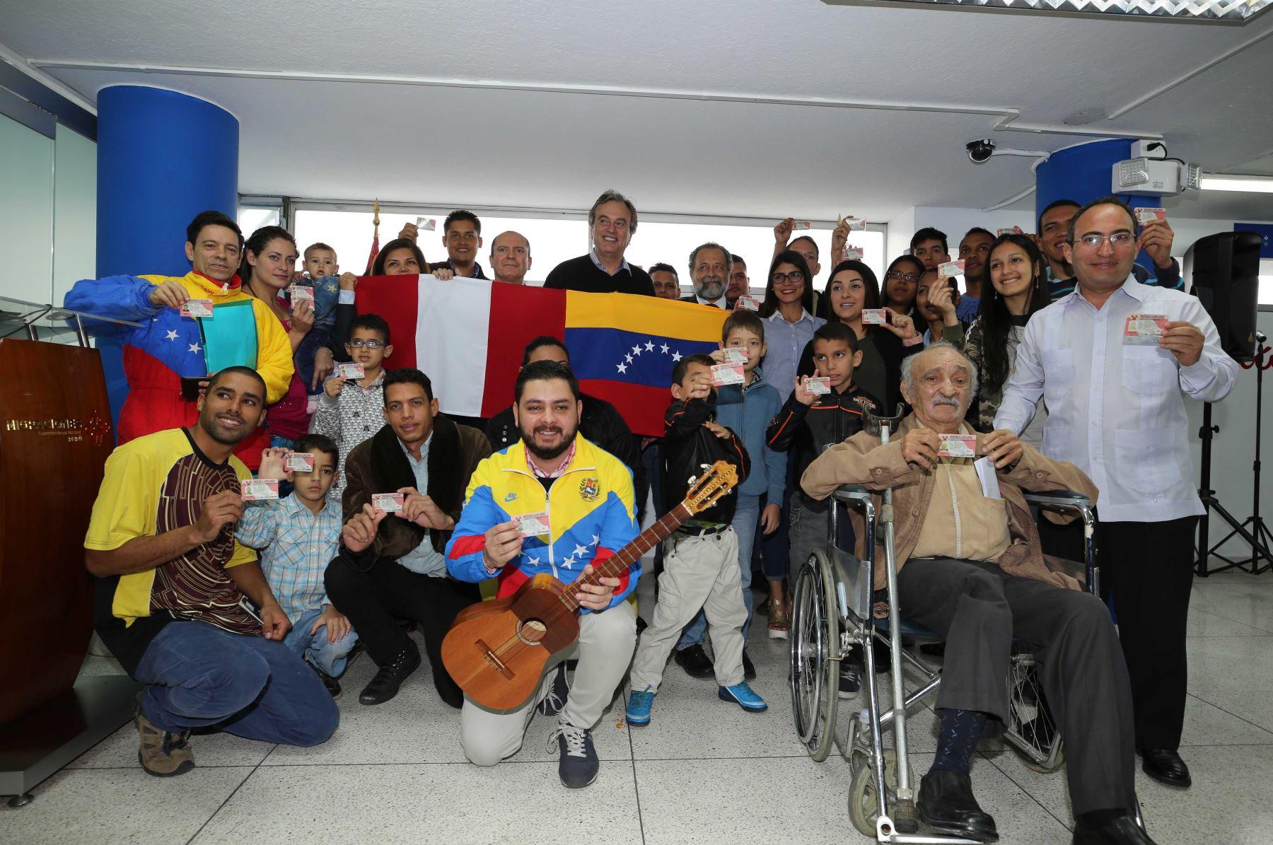 Gobierno amplía plazo a venezolanos para obtener Permiso Temporal de Permanencia